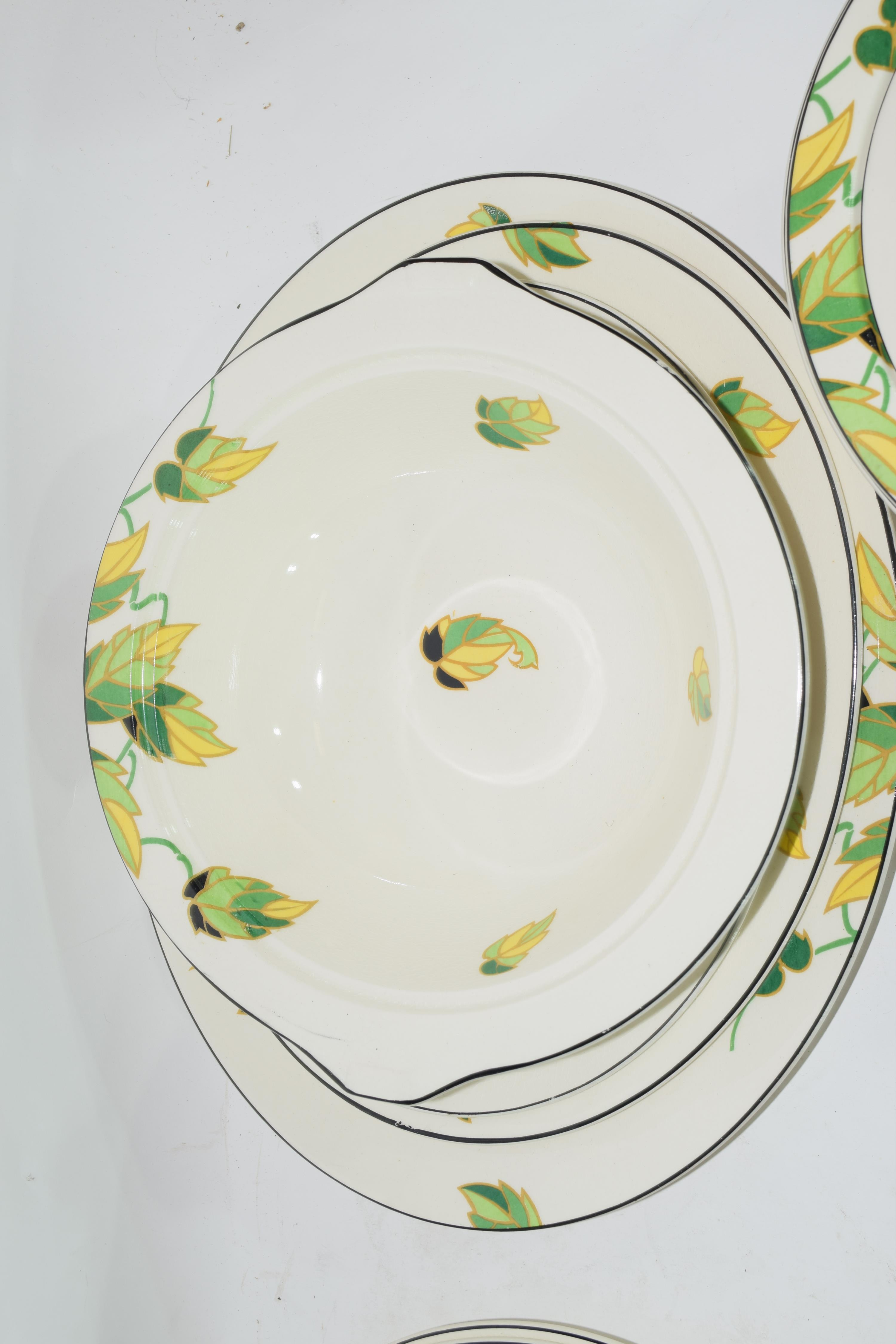 Quantity of Wedgwood dinner wares in Art Deco style - Image 5 of 7