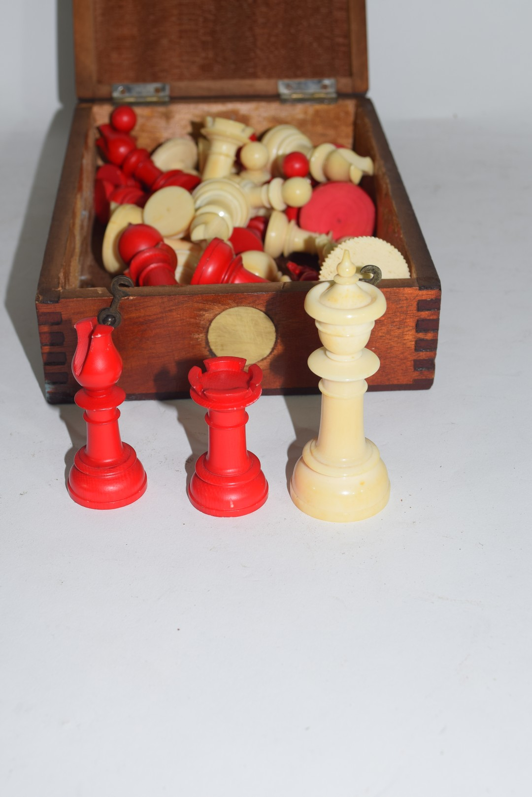 Ivory Chess Pieces - Image 2 of 3
