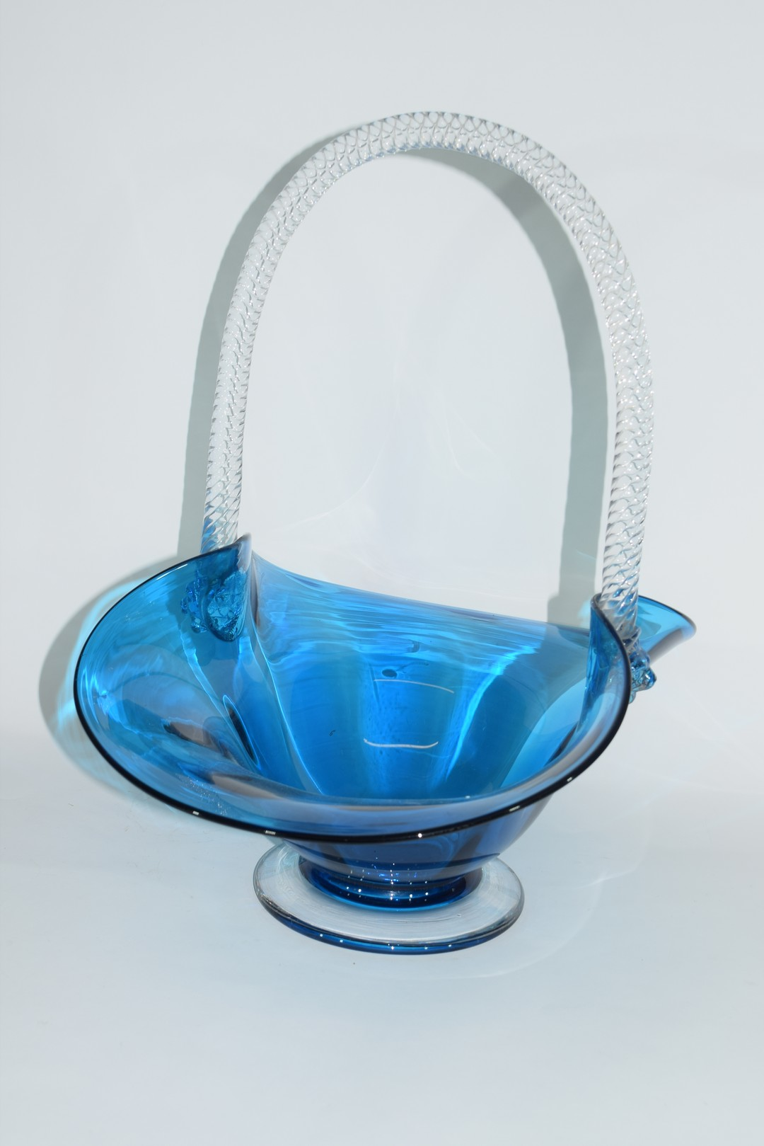 Large glass basket - Image 3 of 7