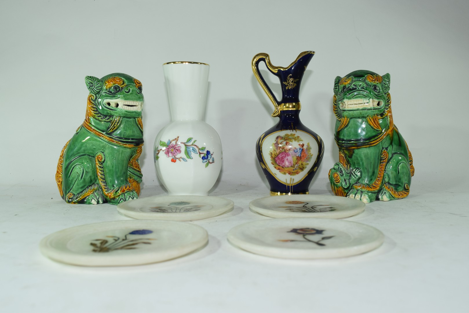 Mixed lot comprising a pair of contemporary Chinese Foo dogs - Image 2 of 8