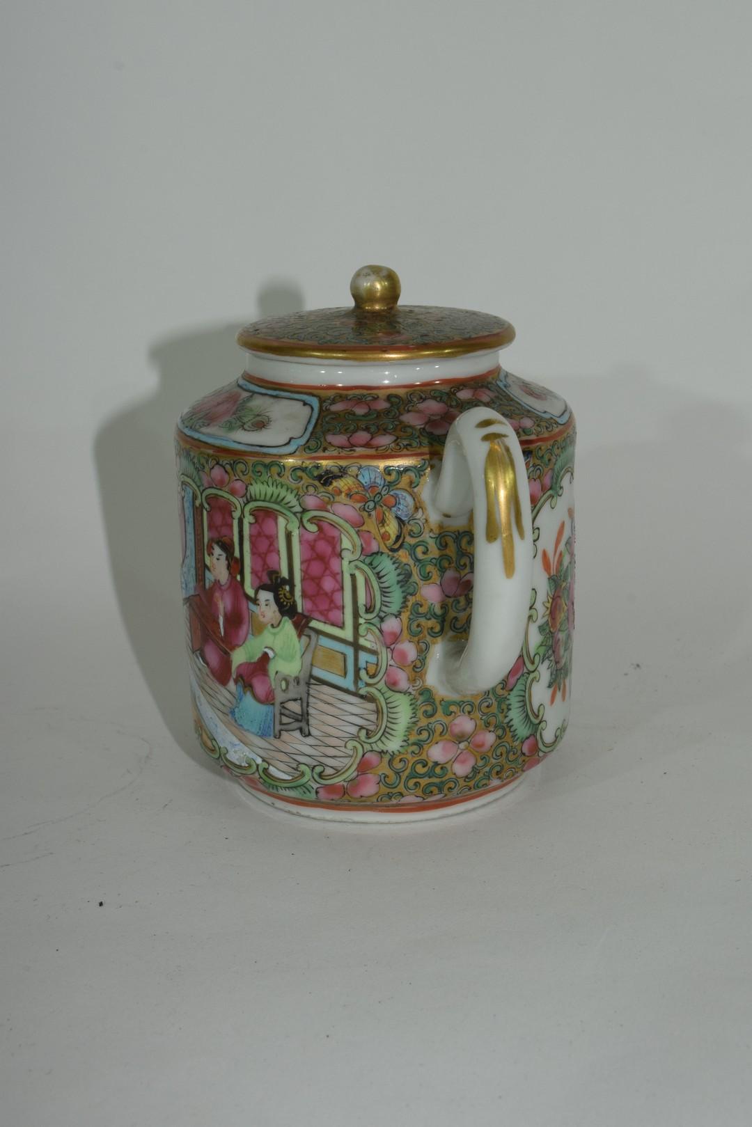Small Cantonese porcelain tea pot - Image 2 of 7