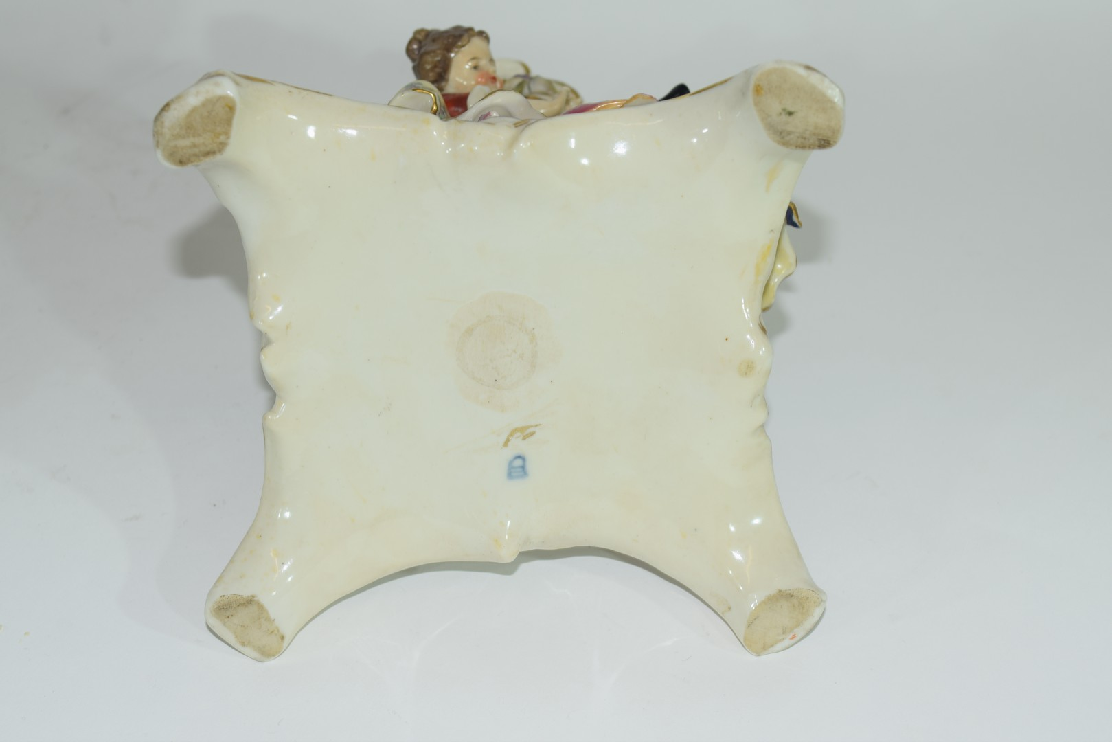Continental Meissen style porcelain centrepiece - Image 6 of 6