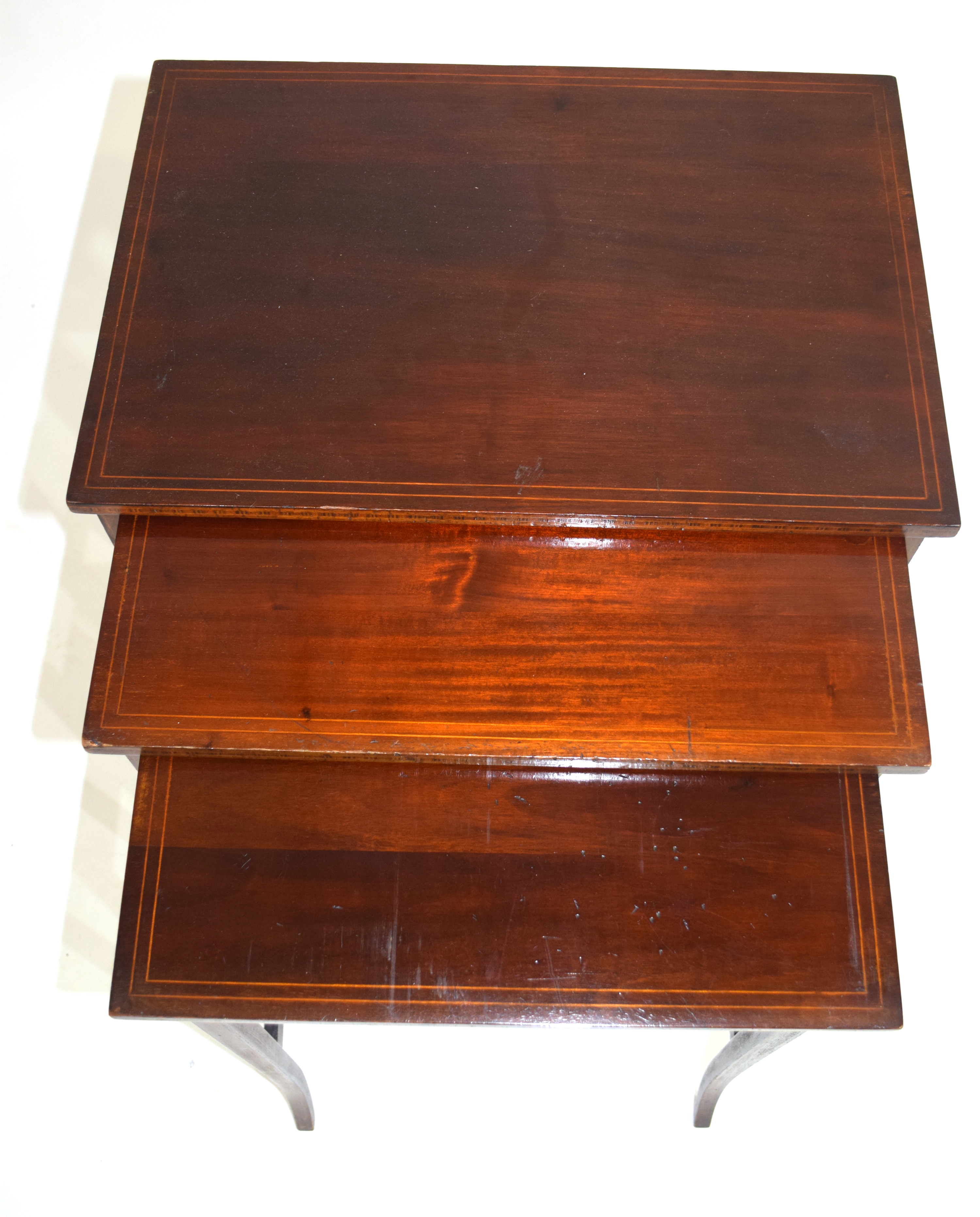 Nest of three Edwardian mahogany and inlaid occasional tables on slender legs, largest 49.5cm wide - Image 3 of 5