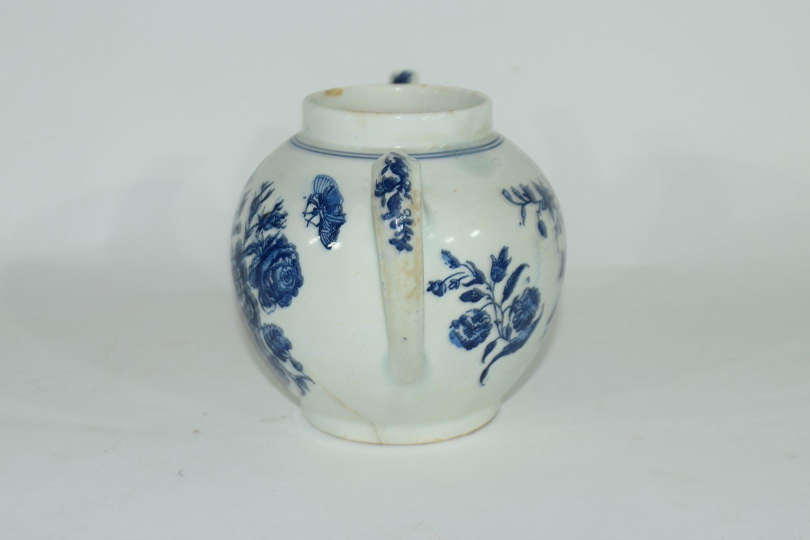 18th century Lowestoft porcelain teapot - Image 4 of 8