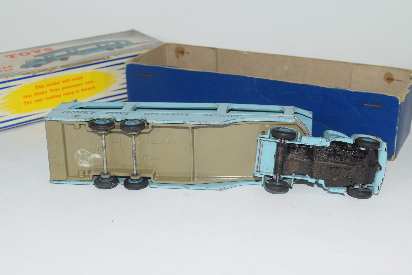 Dinky Pullmore car transporter No 982 and loading ramp, (994) - Image 7 of 7
