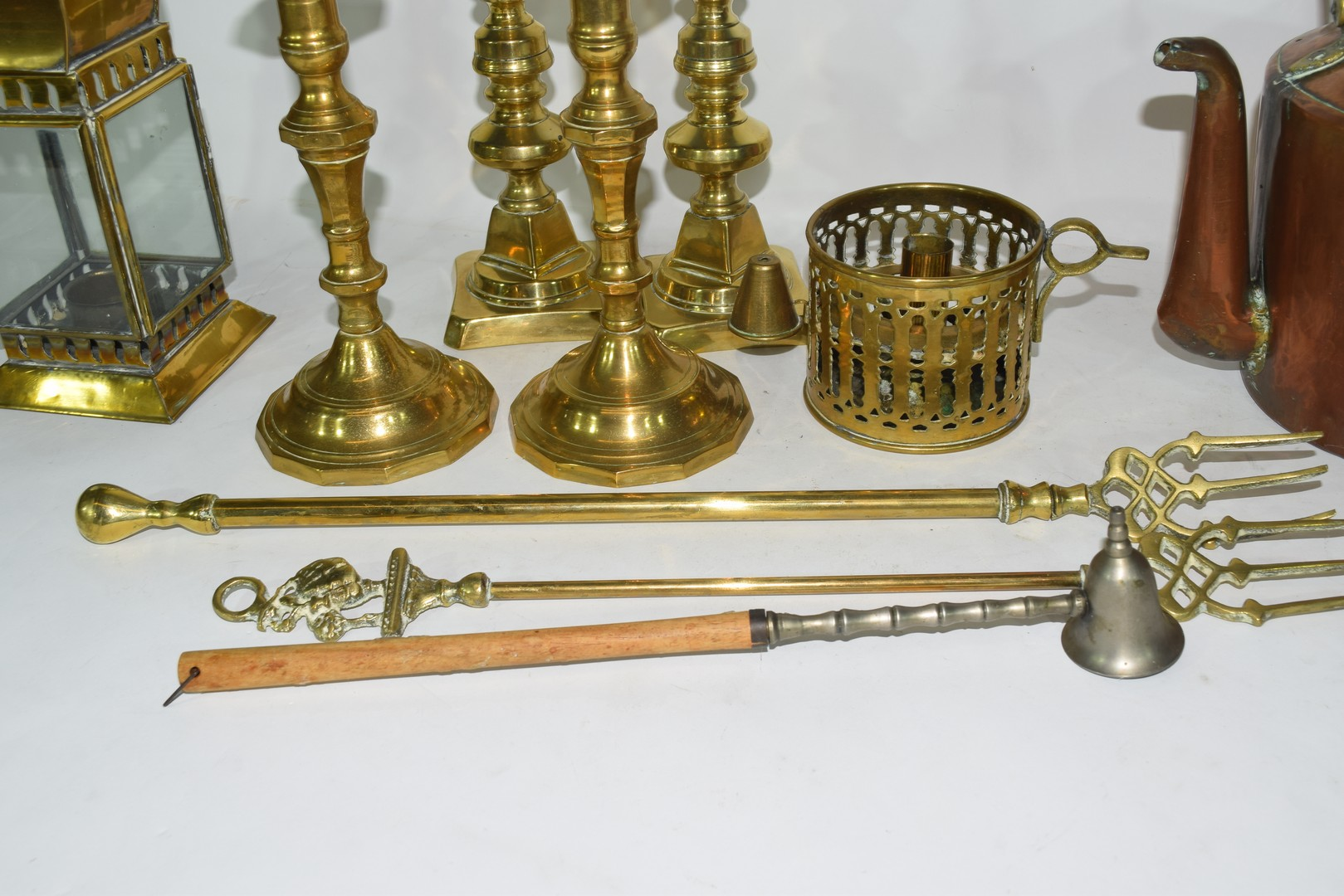 Mixed Lot of copper and brass wares comprising a Victorian warming pan, a kettle, two pairs of - Image 10 of 12