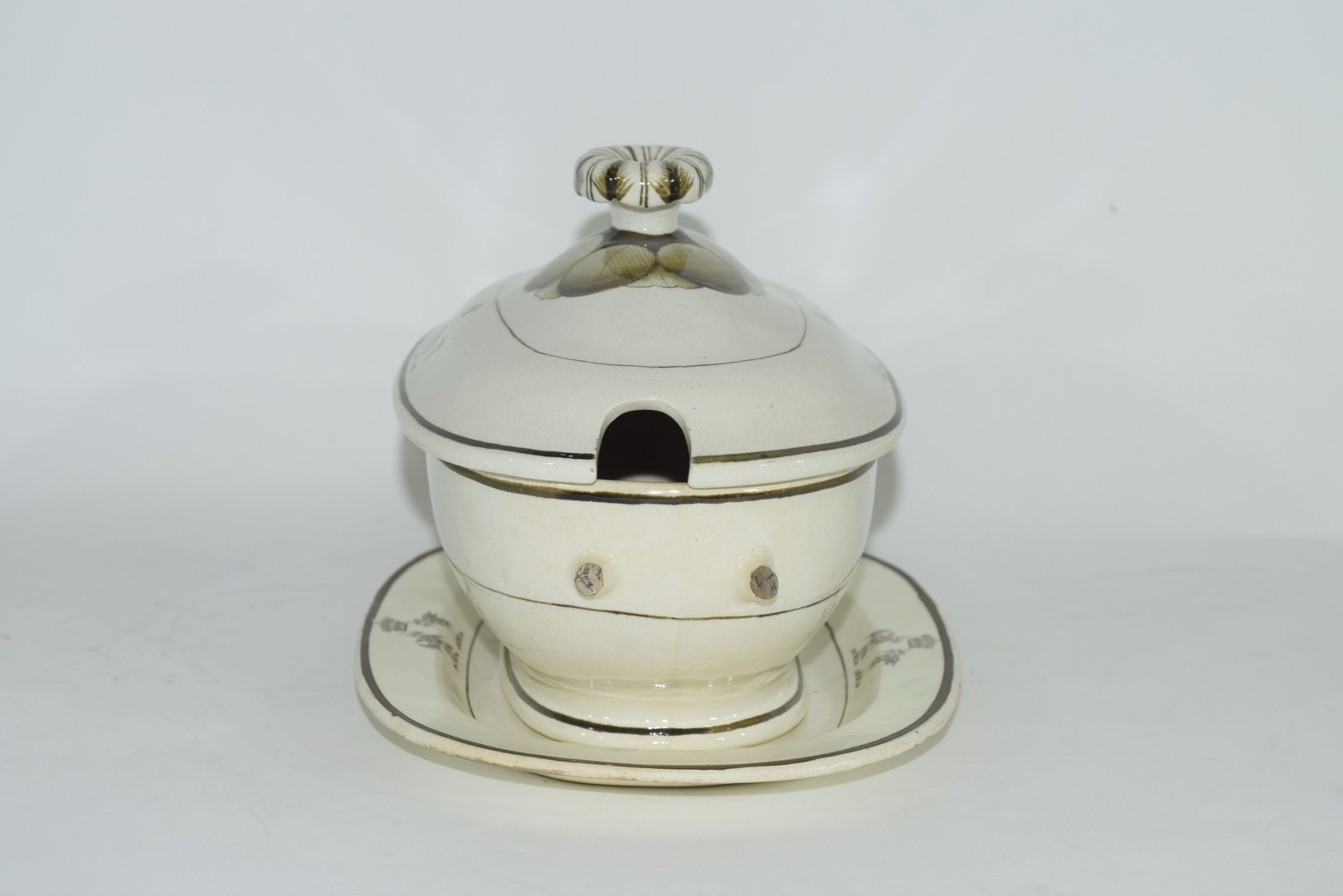 Late 18th century Rogers pearlware small tureen - Image 2 of 6