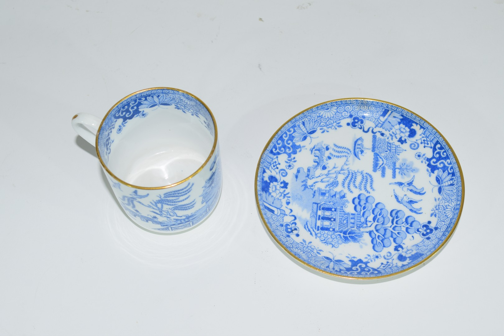Group of Continental porcelains including a Vienna style cup and saucer - Image 11 of 12