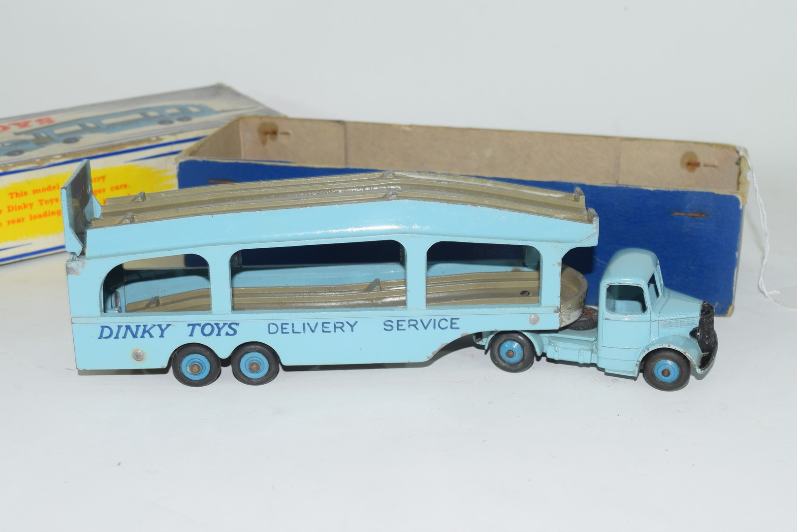 Dinky Pullmore car transporter No 982 and loading ramp, (994) - Image 5 of 7