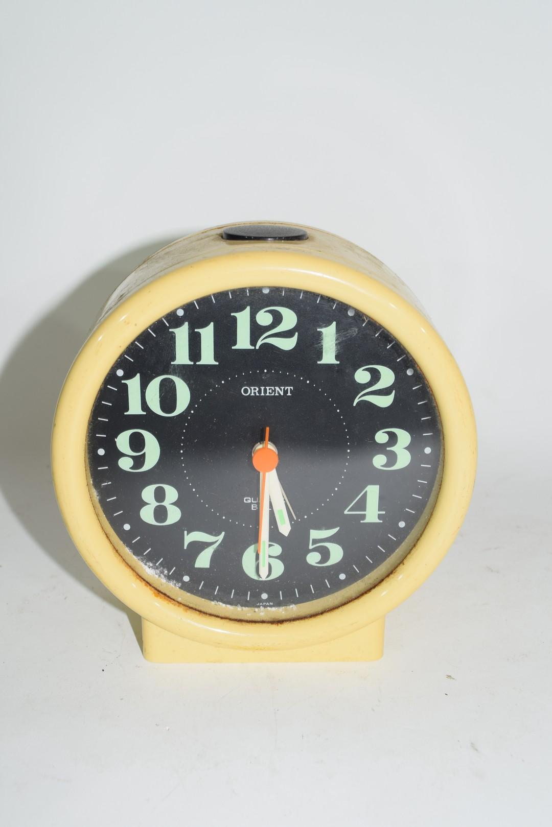 1950s Japanese plastic Orient quartz alarm clock