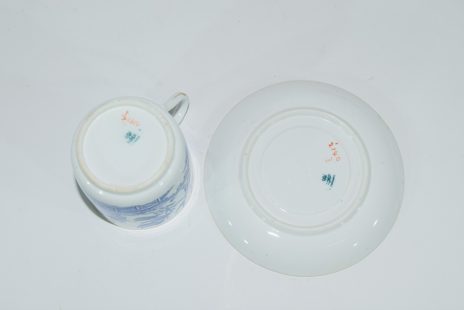 Group of Continental porcelains including a Vienna style cup and saucer - Image 12 of 12