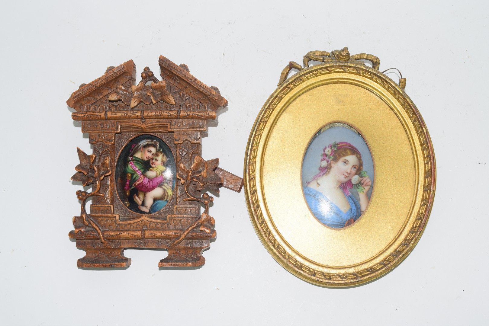 Oval picture of a maiden