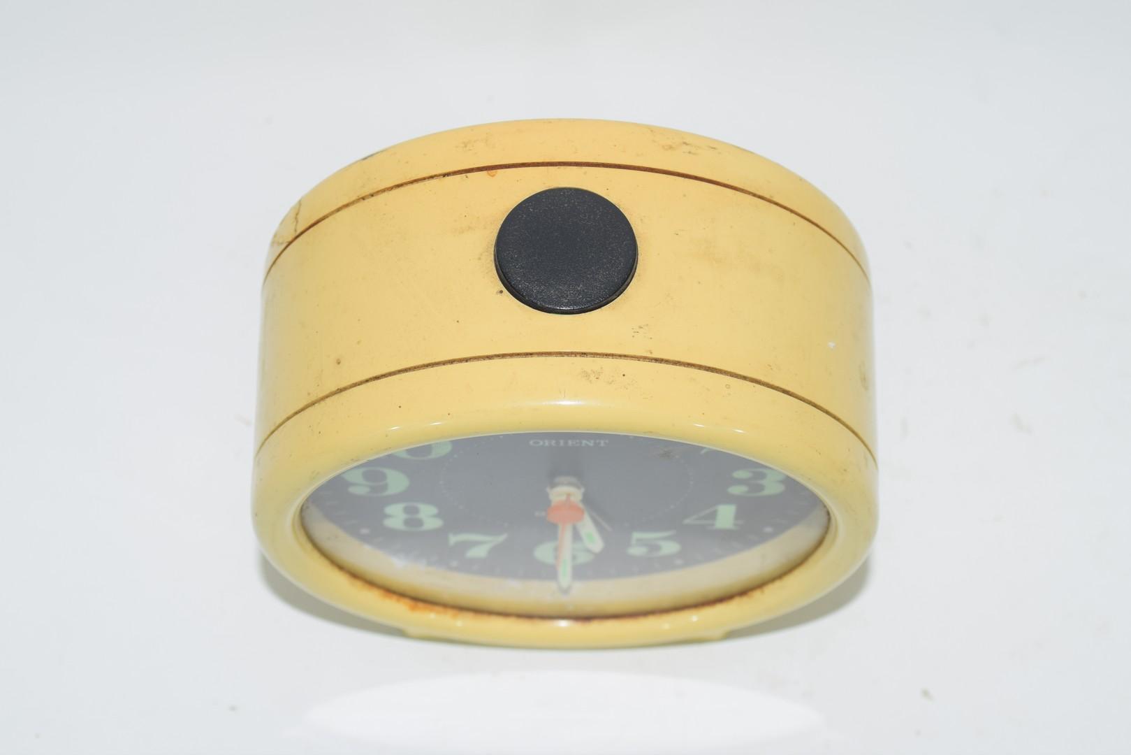 1950s Japanese plastic Orient quartz alarm clock - Image 3 of 3
