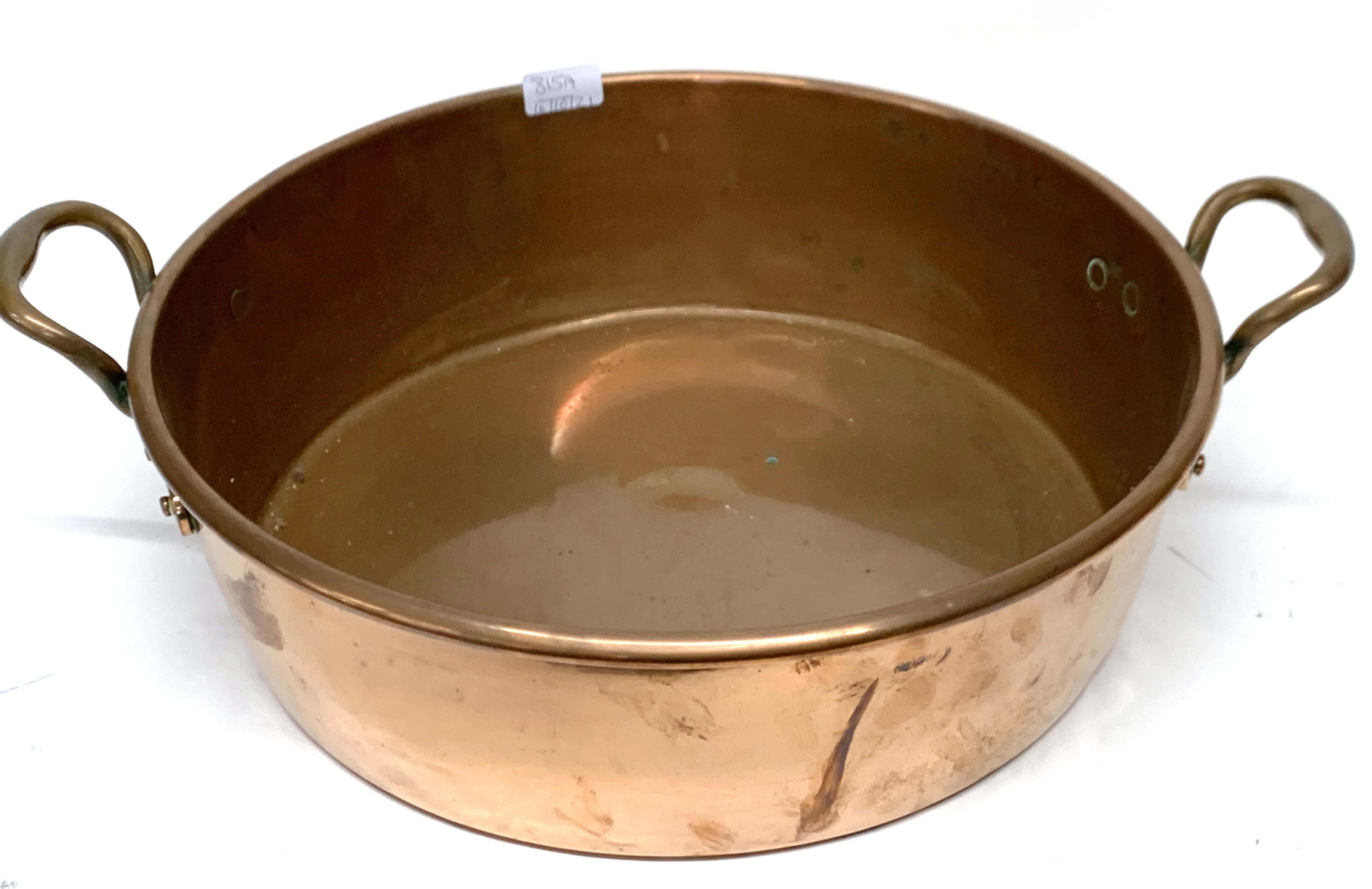 Large antique copper double handled circular pan - Image 3 of 3