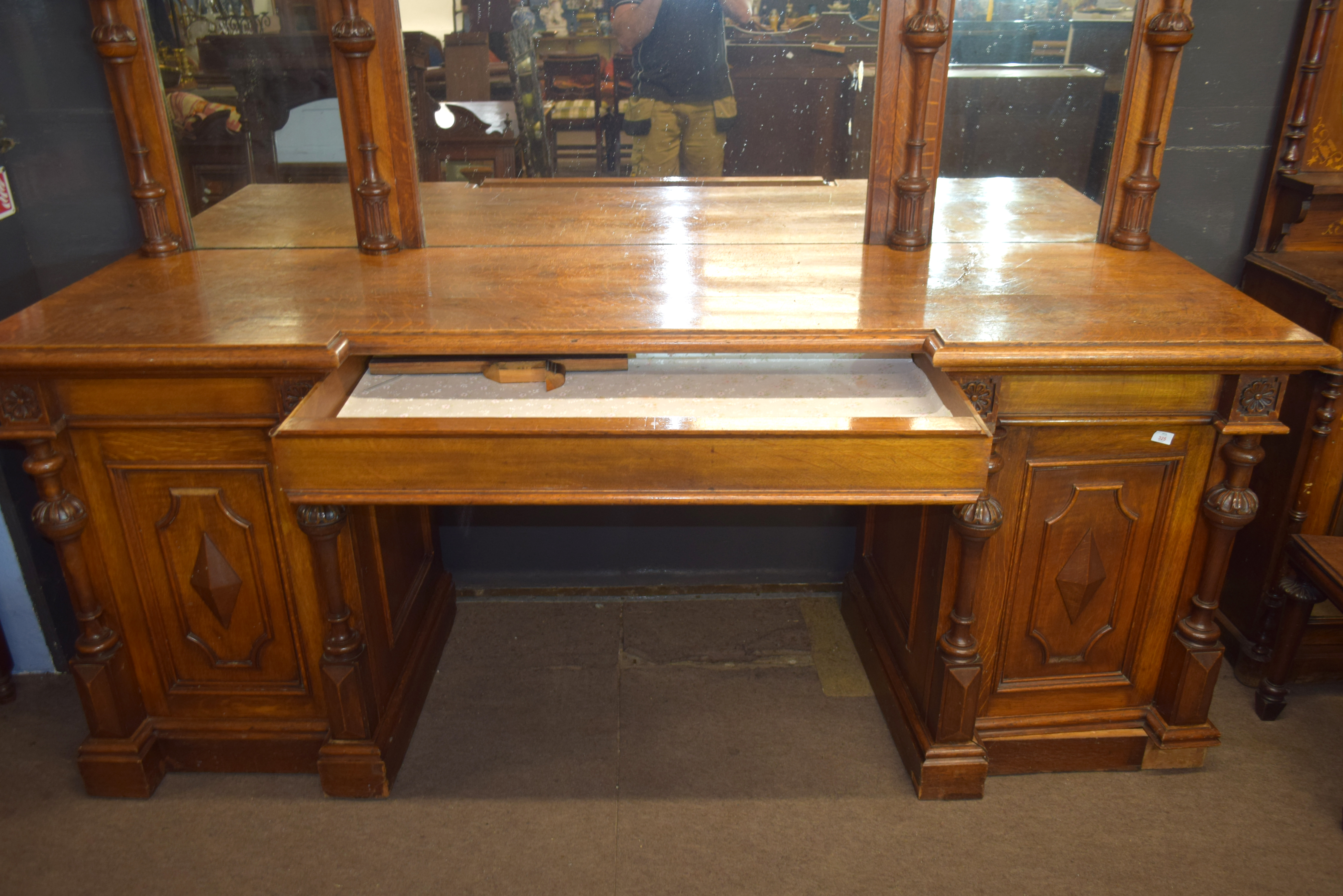 Very large and imposing Victorian Oak mirror back sideboard, back panel with three mirror plates and - Image 6 of 7