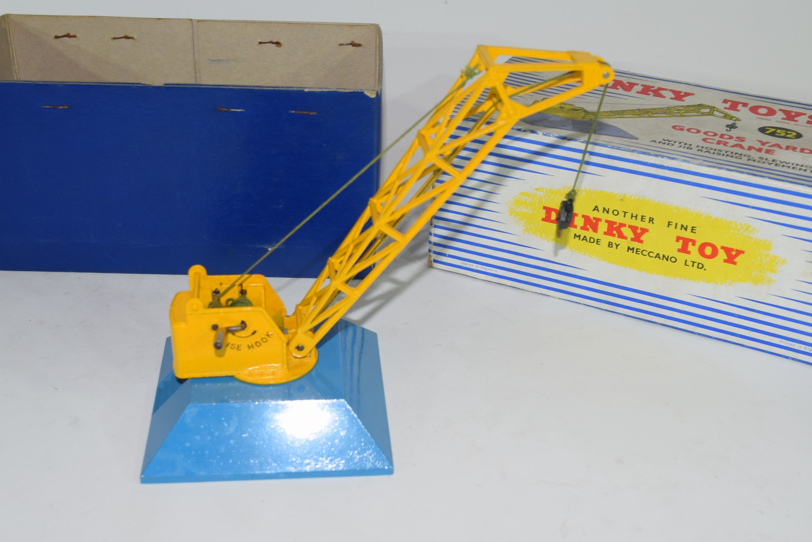 Dinky Goods yard crane No 752 in original box - Image 4 of 5