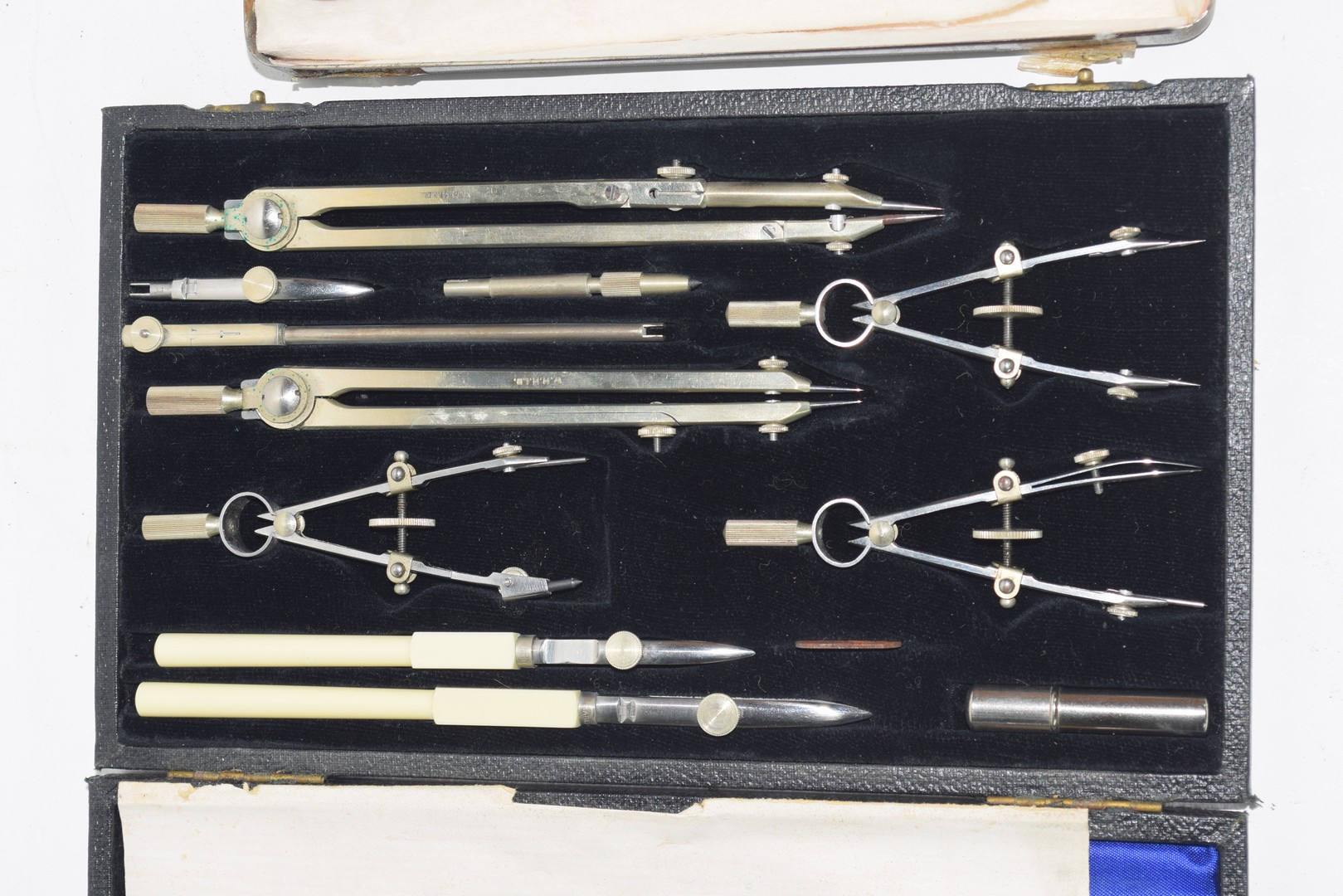 A cased technical drawing set - Image 2 of 4