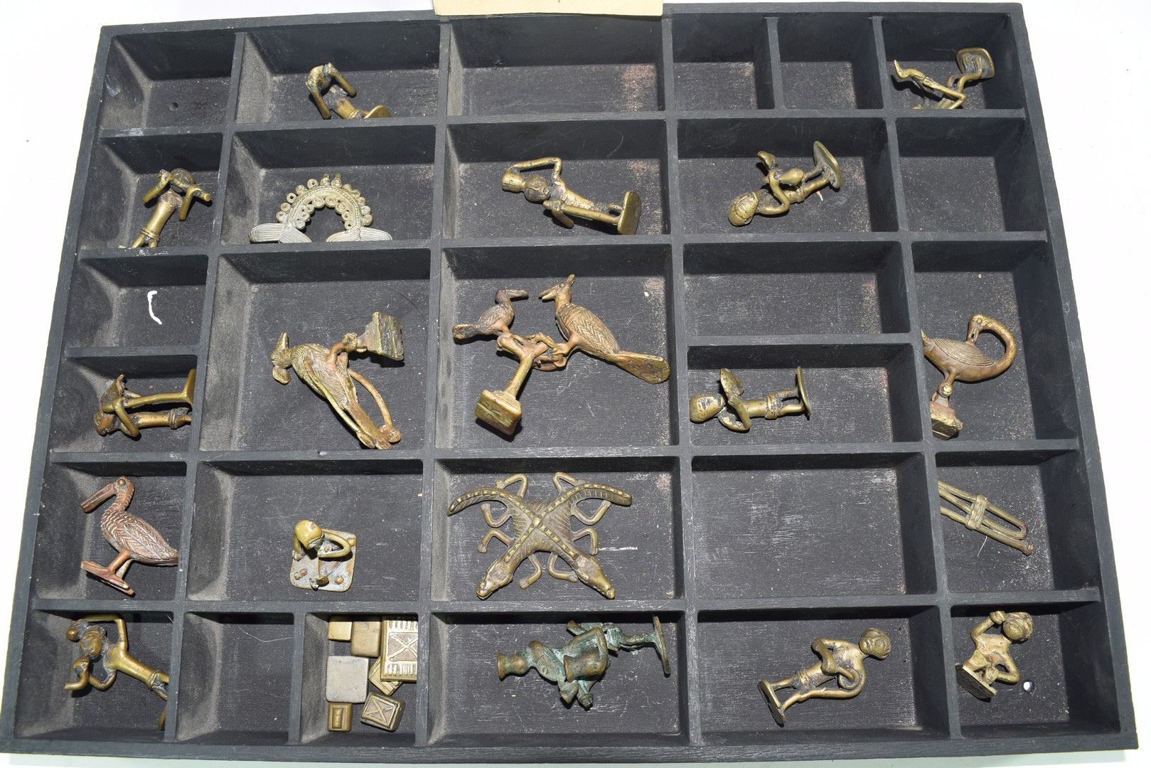 Collection of Ghanaian Ashanti figurative gold weights - Image 3 of 3