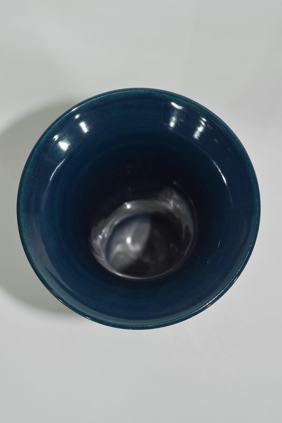 Modern Moorcroft vase - Image 5 of 7