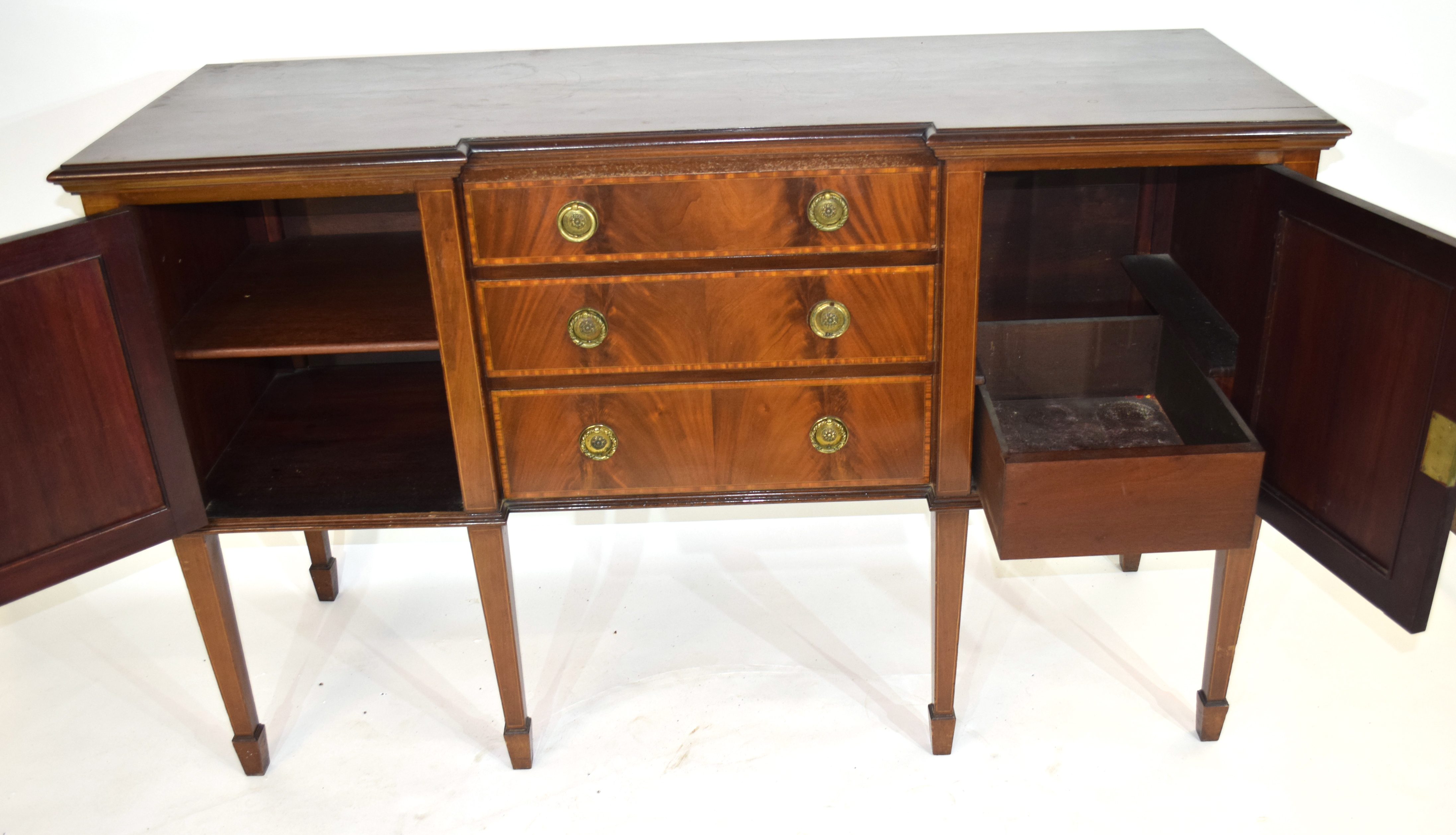 Edwardian mahogany sideboard with three drawers fitted with brass ringlet handles and two panelled - Image 3 of 4