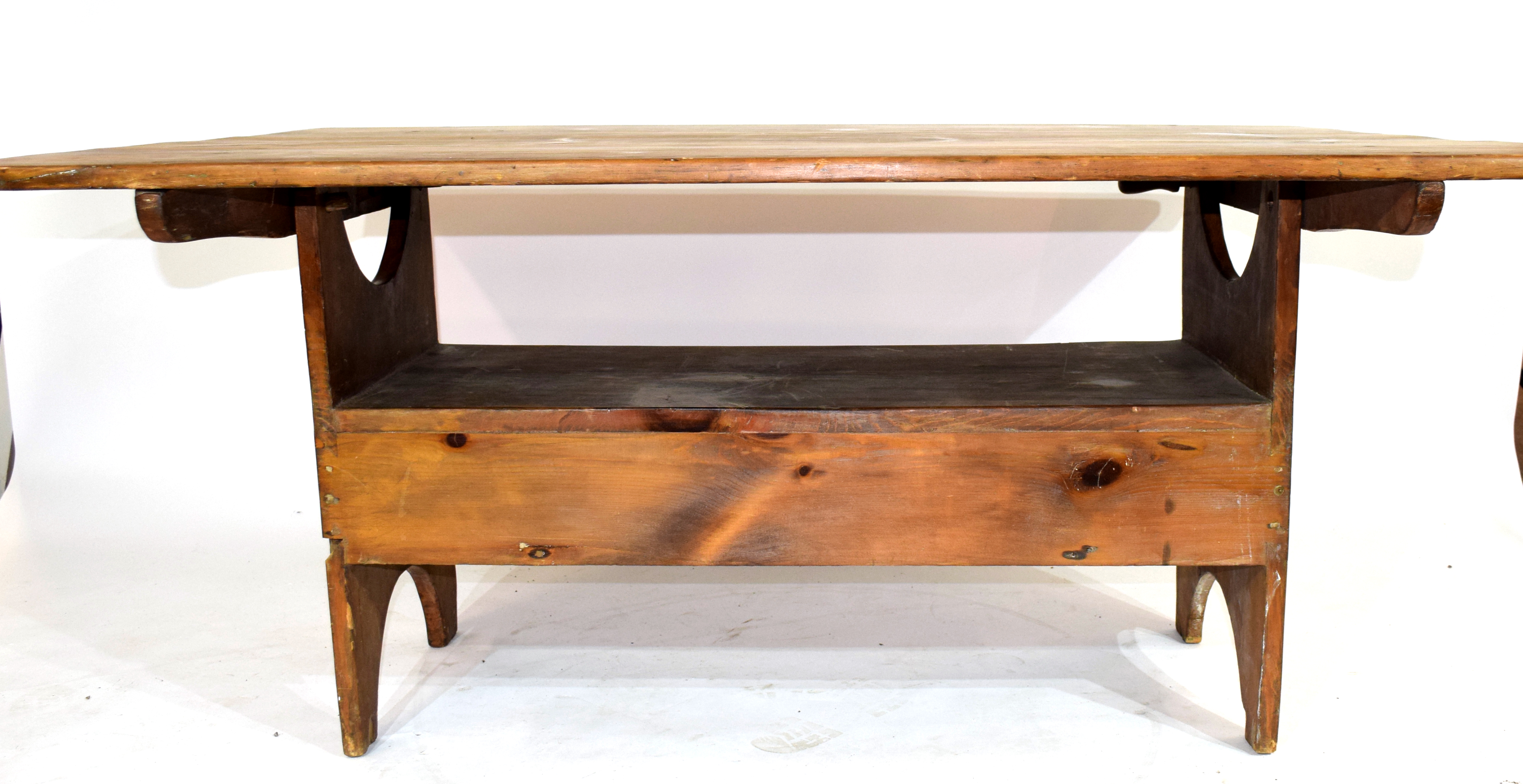 Unusual 20th century stained pine kitchen table, the rectangular top with pegged attachment to a - Image 3 of 4