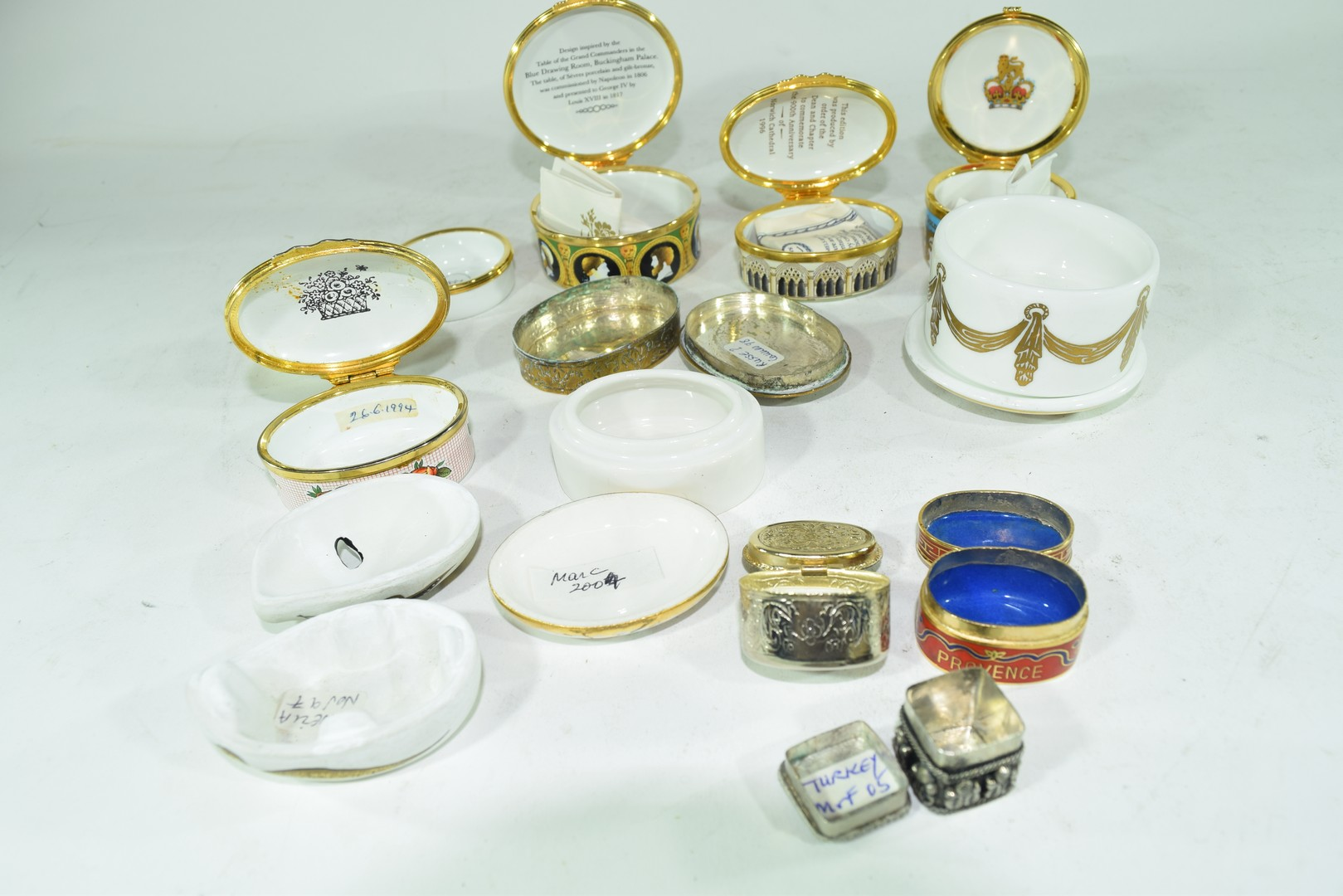 Mixed lot various small trinket and pill boxes - Image 5 of 6