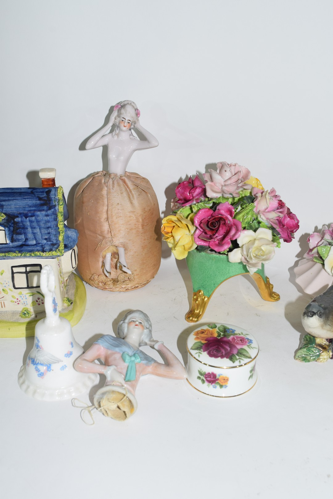 Group of English pottery and porcelain wares - Image 4 of 5