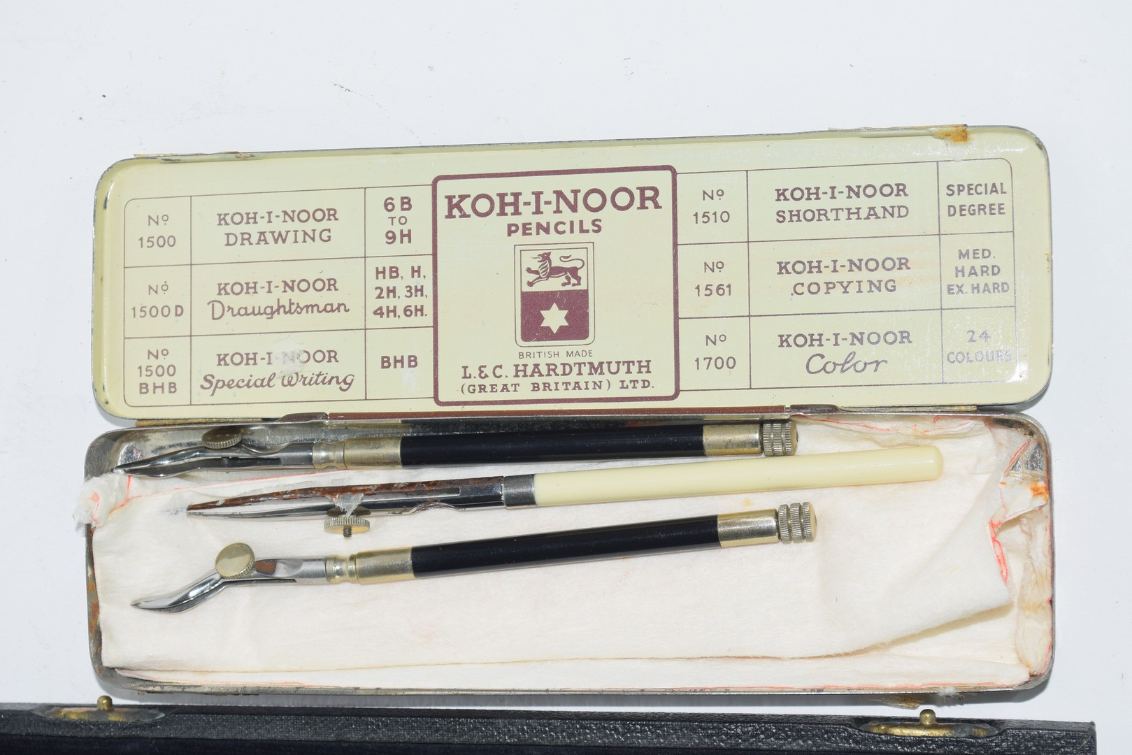 A cased technical drawing set - Image 3 of 4