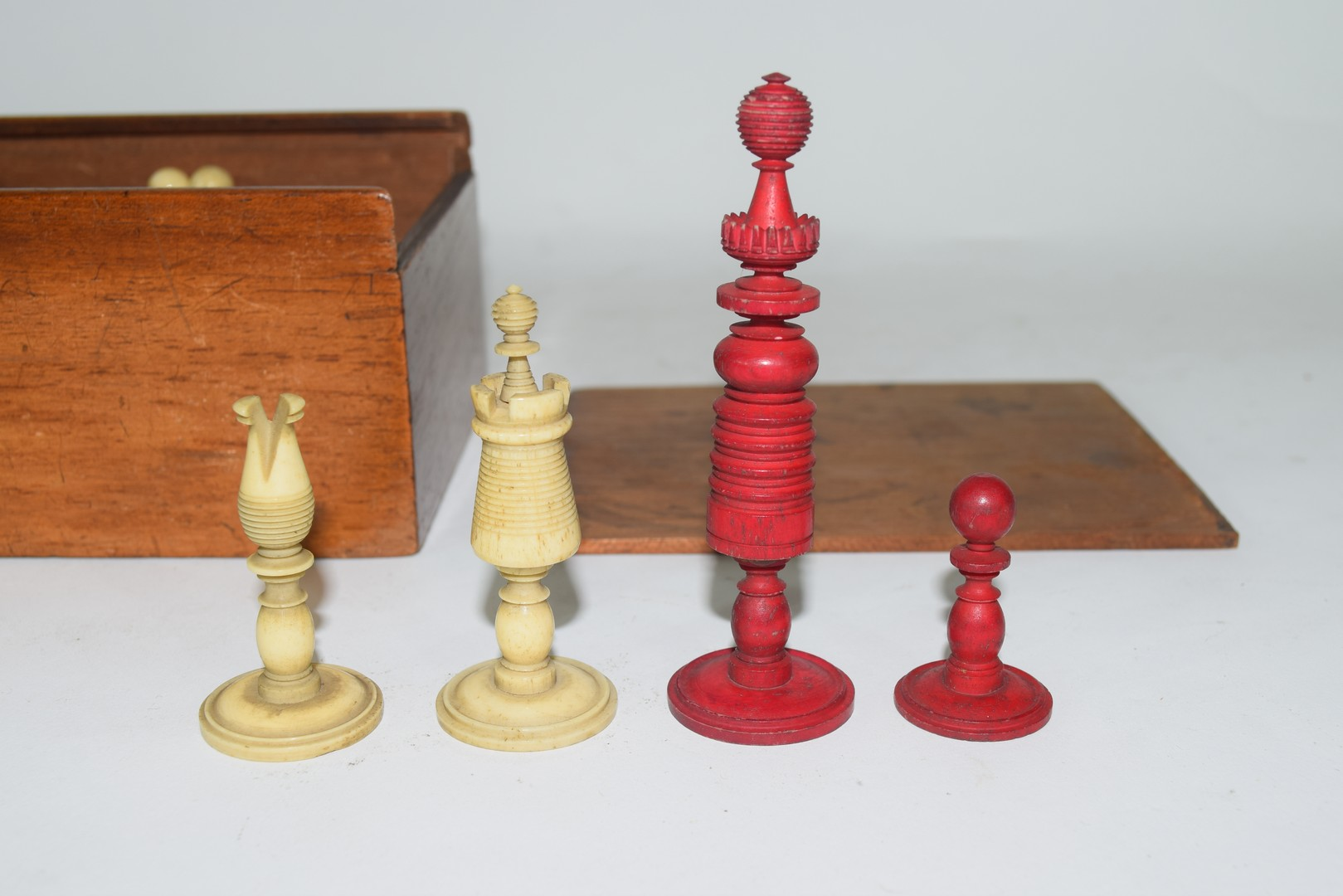 19th century ivory and red stained ivory part chess set - Image 2 of 2