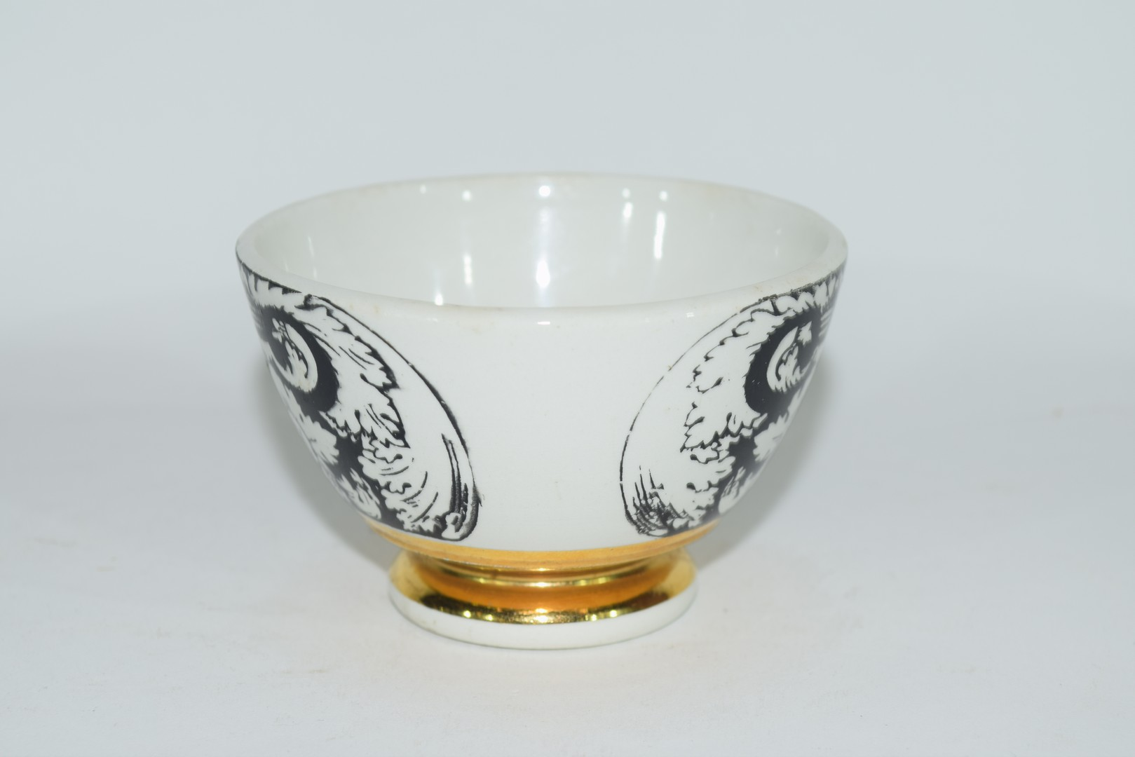 Small bowl decorated in black and white with a design by Fornisetti, - Image 2 of 5