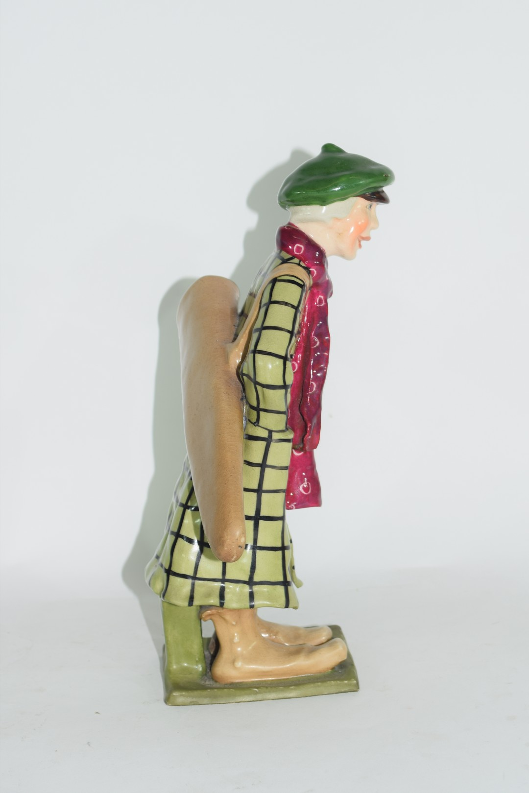An amphora pottery model of a golfer - Image 4 of 5