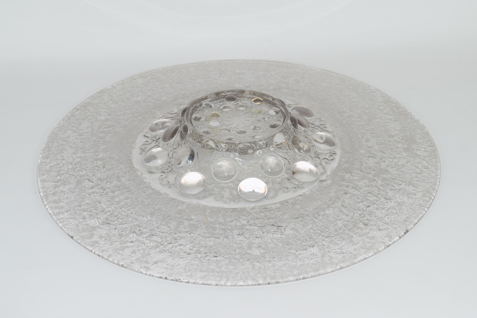 Large glass charger in Lalique style, - Image 3 of 4