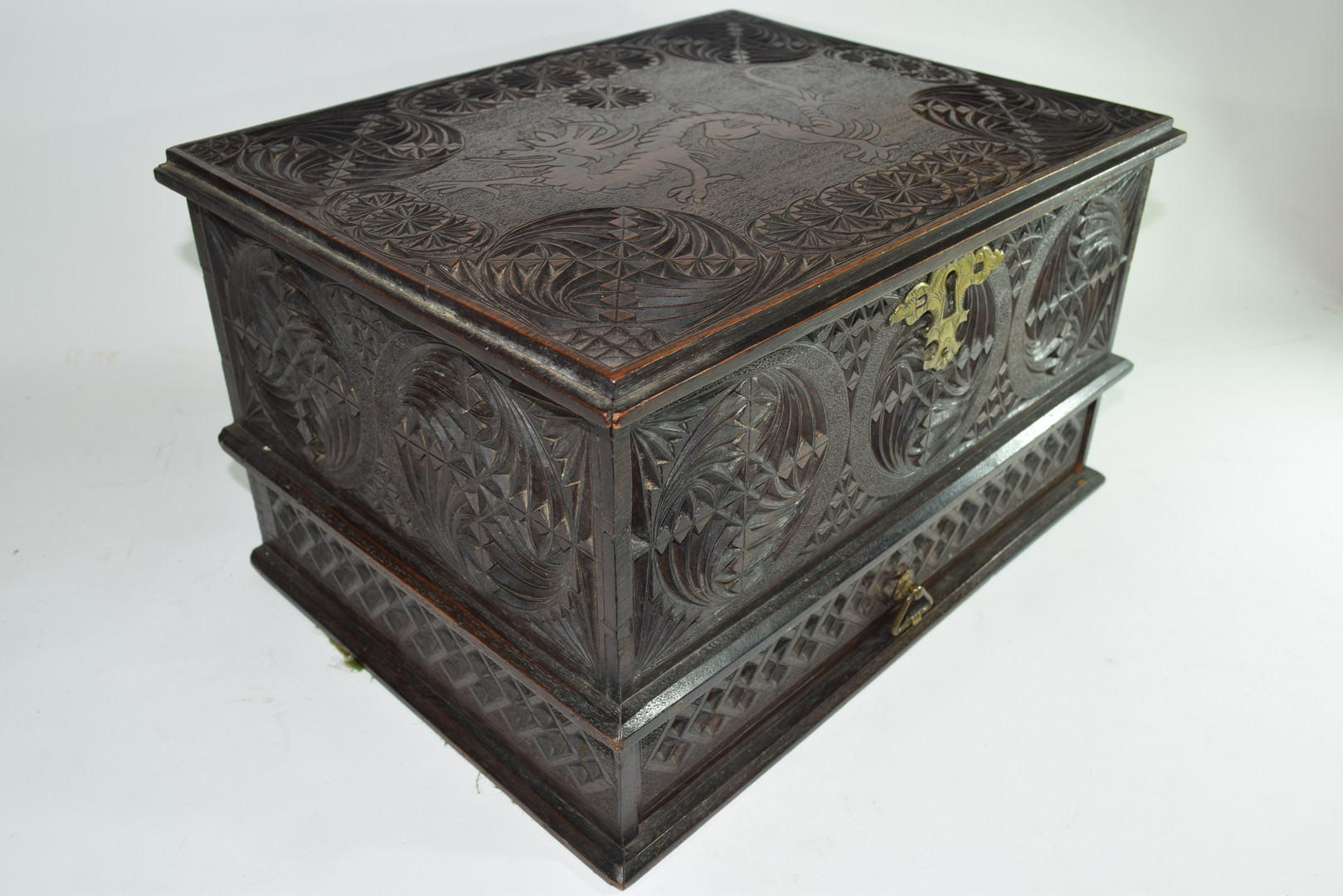 Late 19th/early 20th century Far Eastern table top box - Image 3 of 5