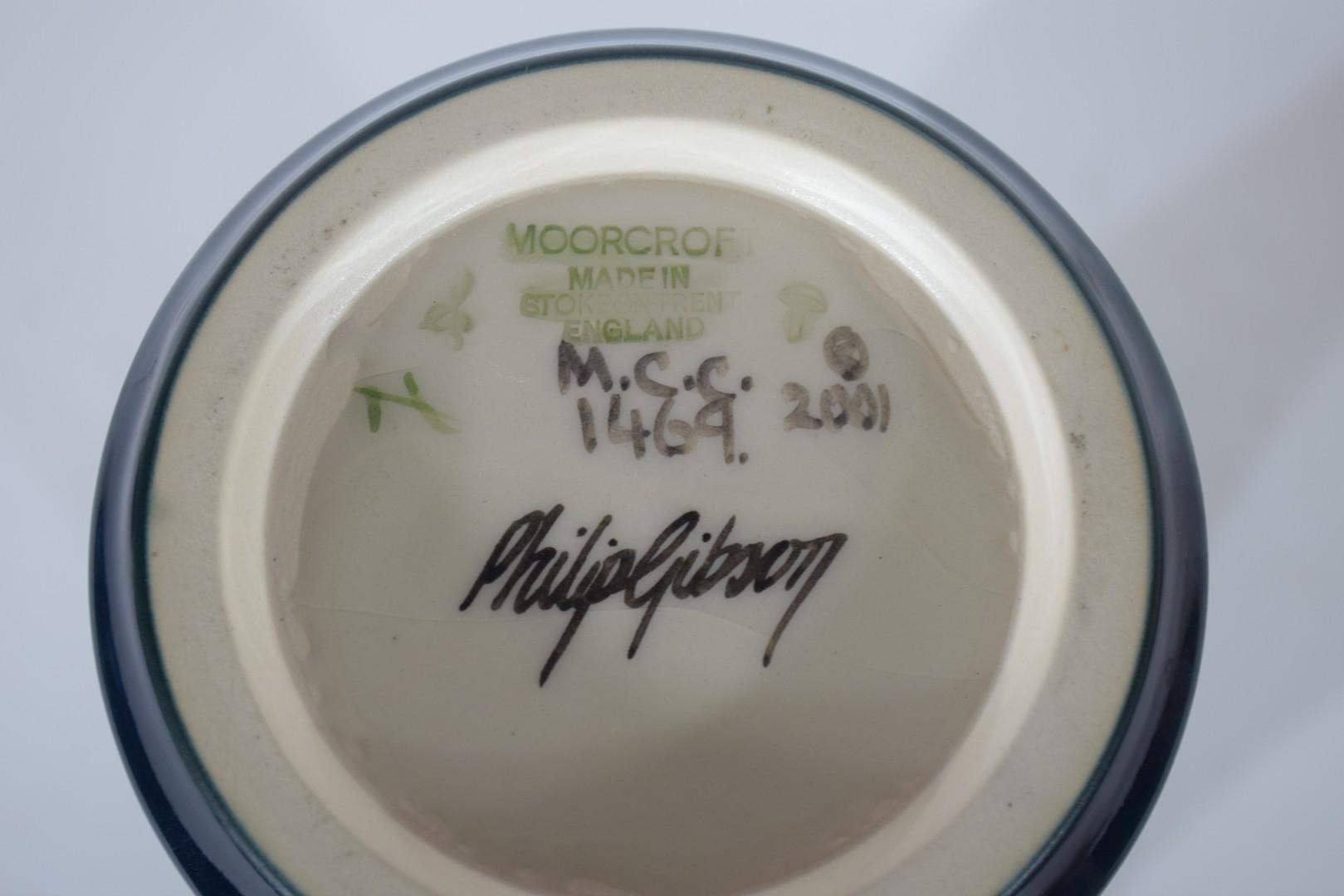 Modern Moorcroft vase - Image 7 of 7