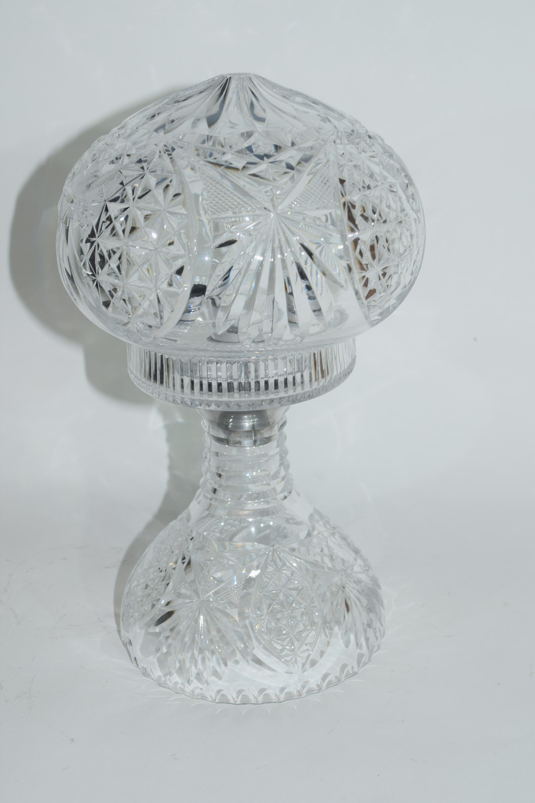 Cut glass lamp and shade - Image 2 of 5
