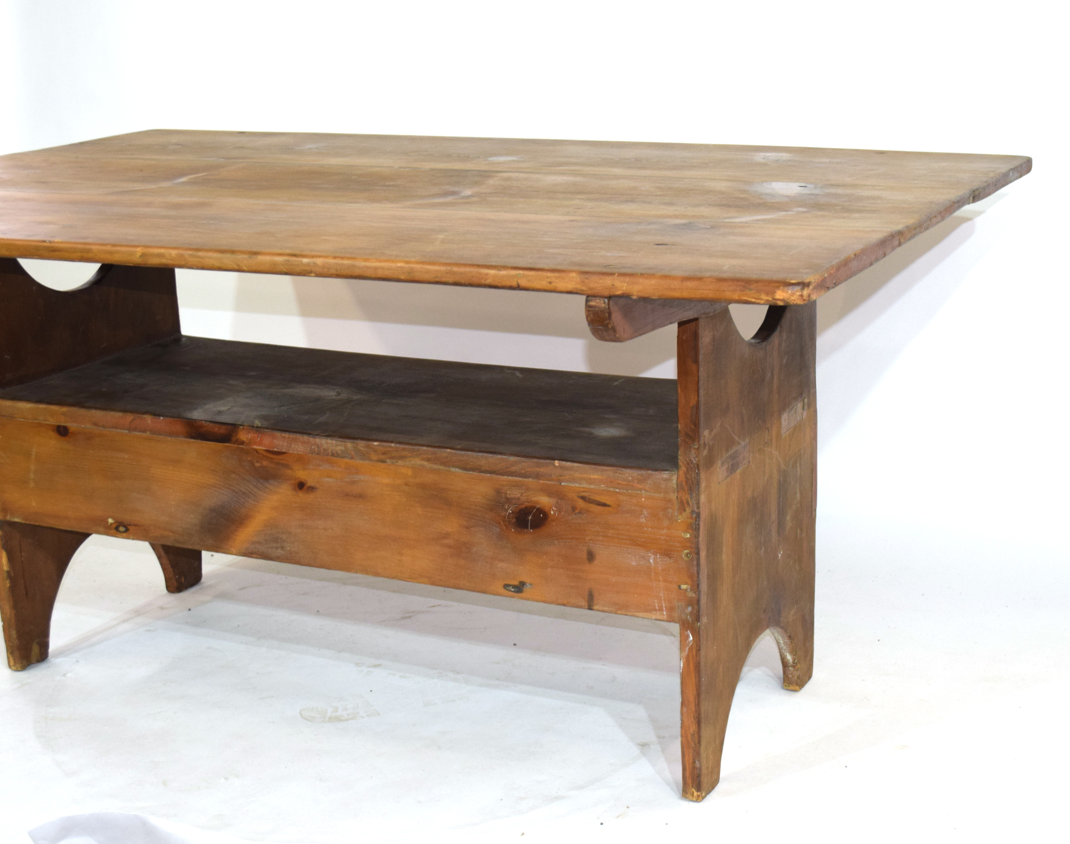 Unusual 20th century stained pine kitchen table, the rectangular top with pegged attachment to a - Image 4 of 4