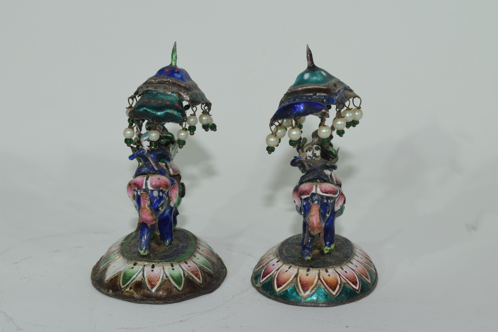 Two enamel Indian elephants with howdahs and a pill box - Image 9 of 9