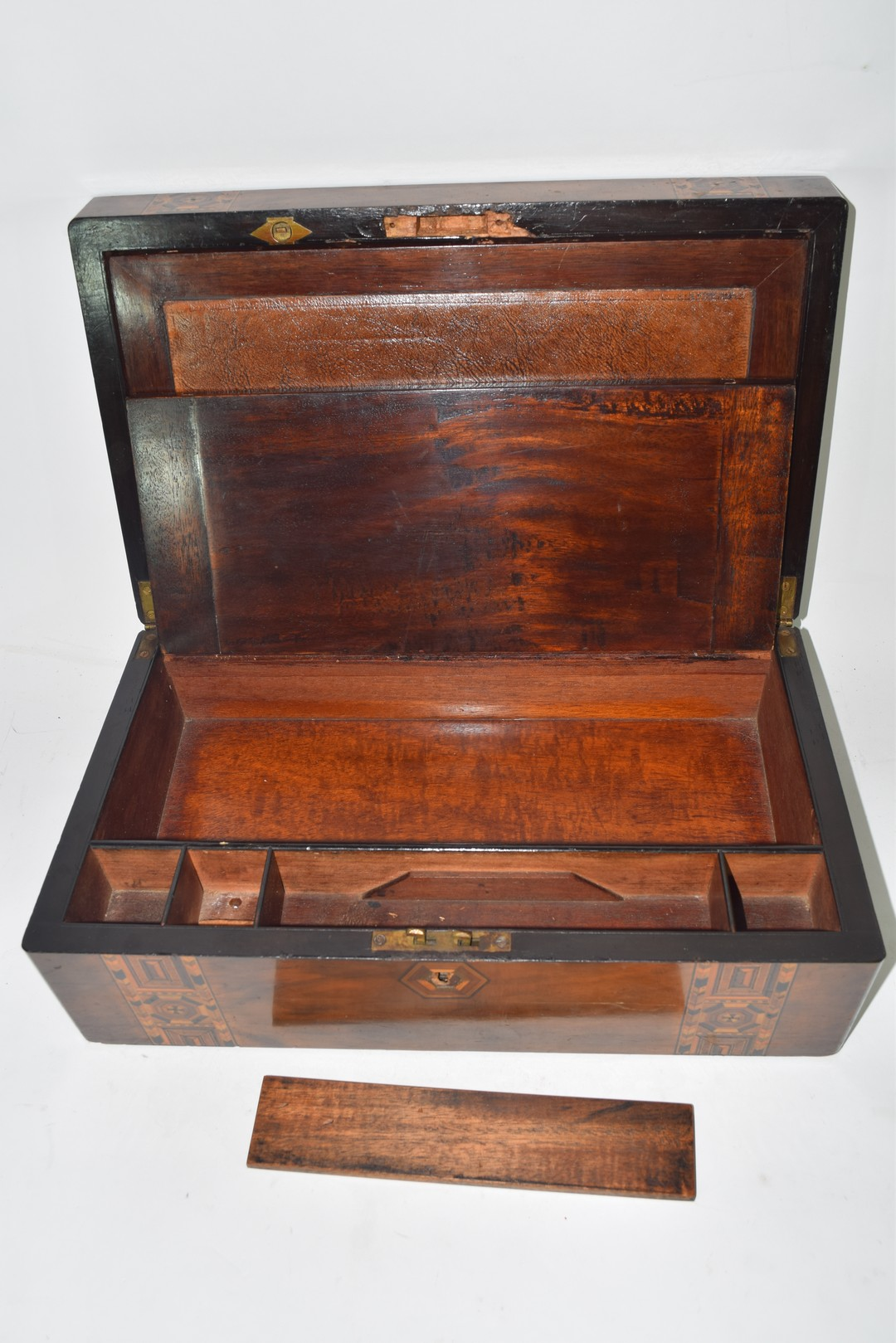 Late 19th century walnut and marquetry inlaid writing box - Image 6 of 6