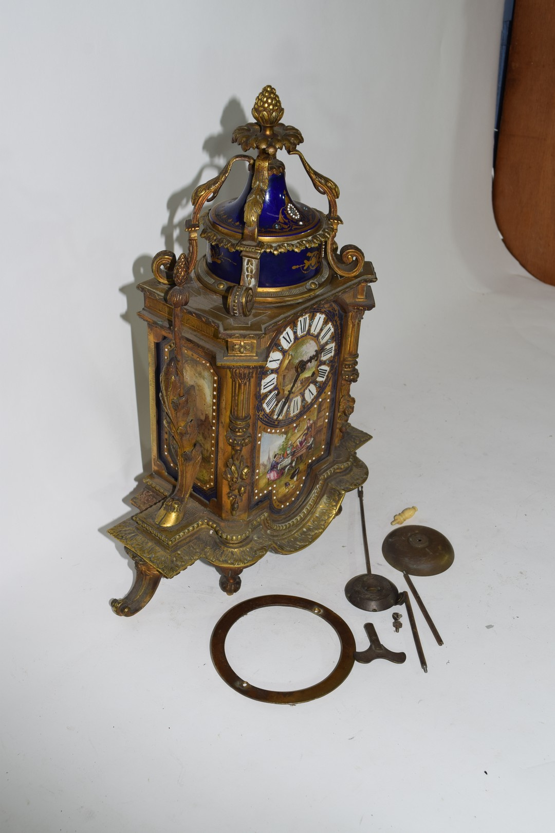 19th century French gilt metal clock with Sevres type porcelain panels - Image 4 of 5