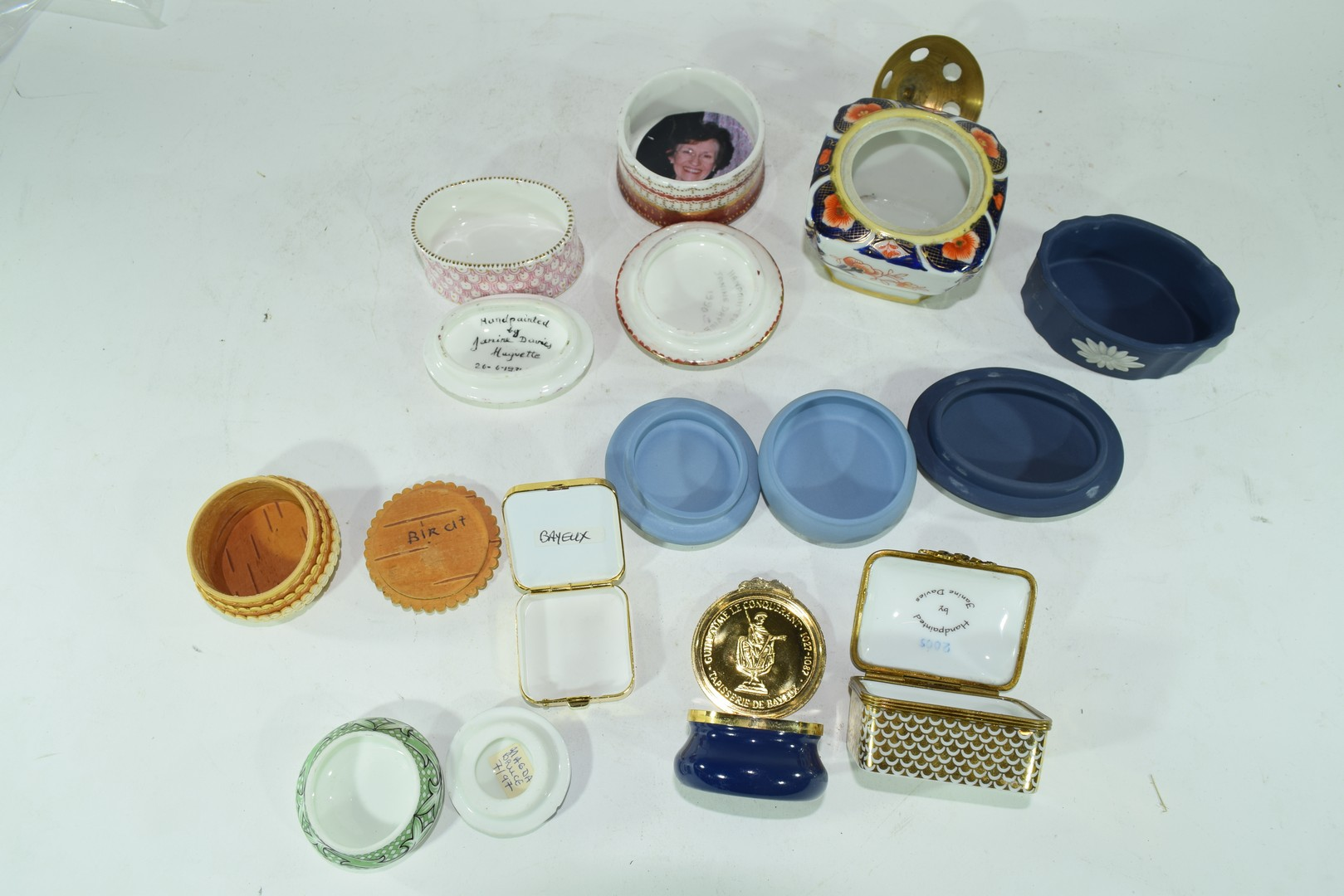 Various small trinket boxes to include Wedgwood jasperware - Image 4 of 4