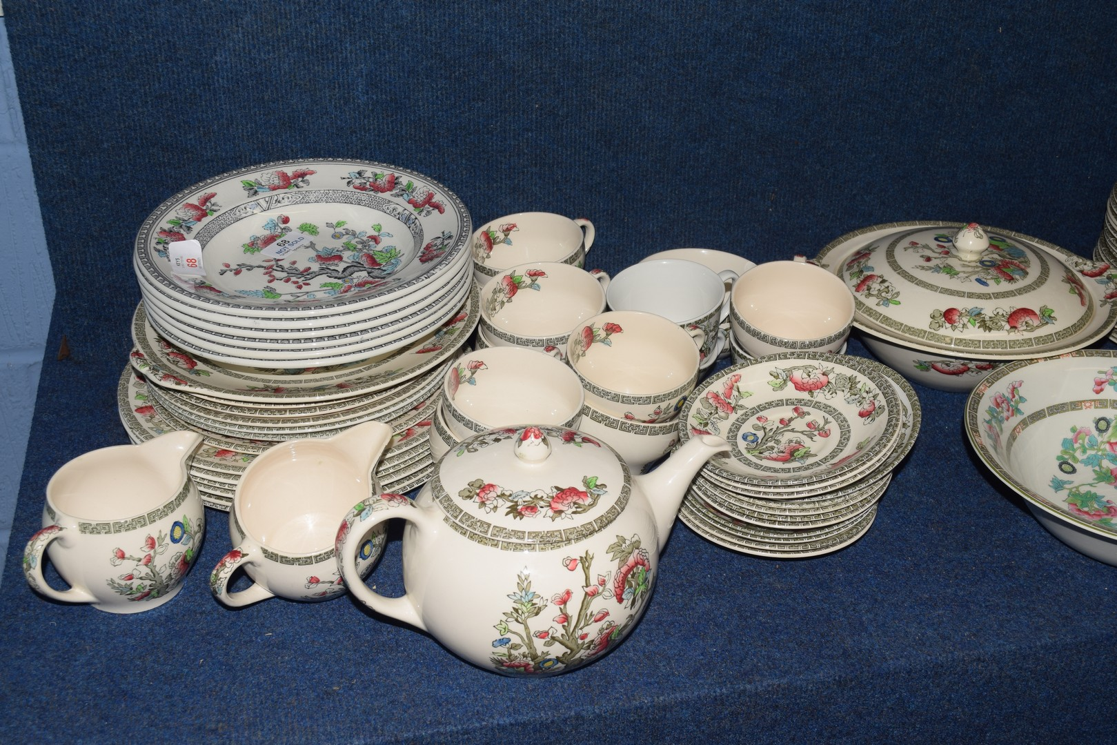 Extensive quantity of Johnson Bros tea and dinner wares - Image 4 of 5