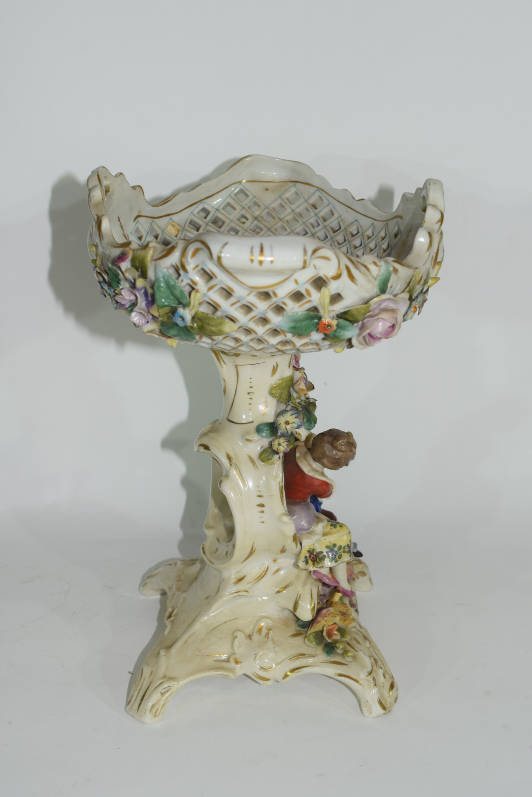 Continental Meissen style porcelain centrepiece - Image 4 of 6
