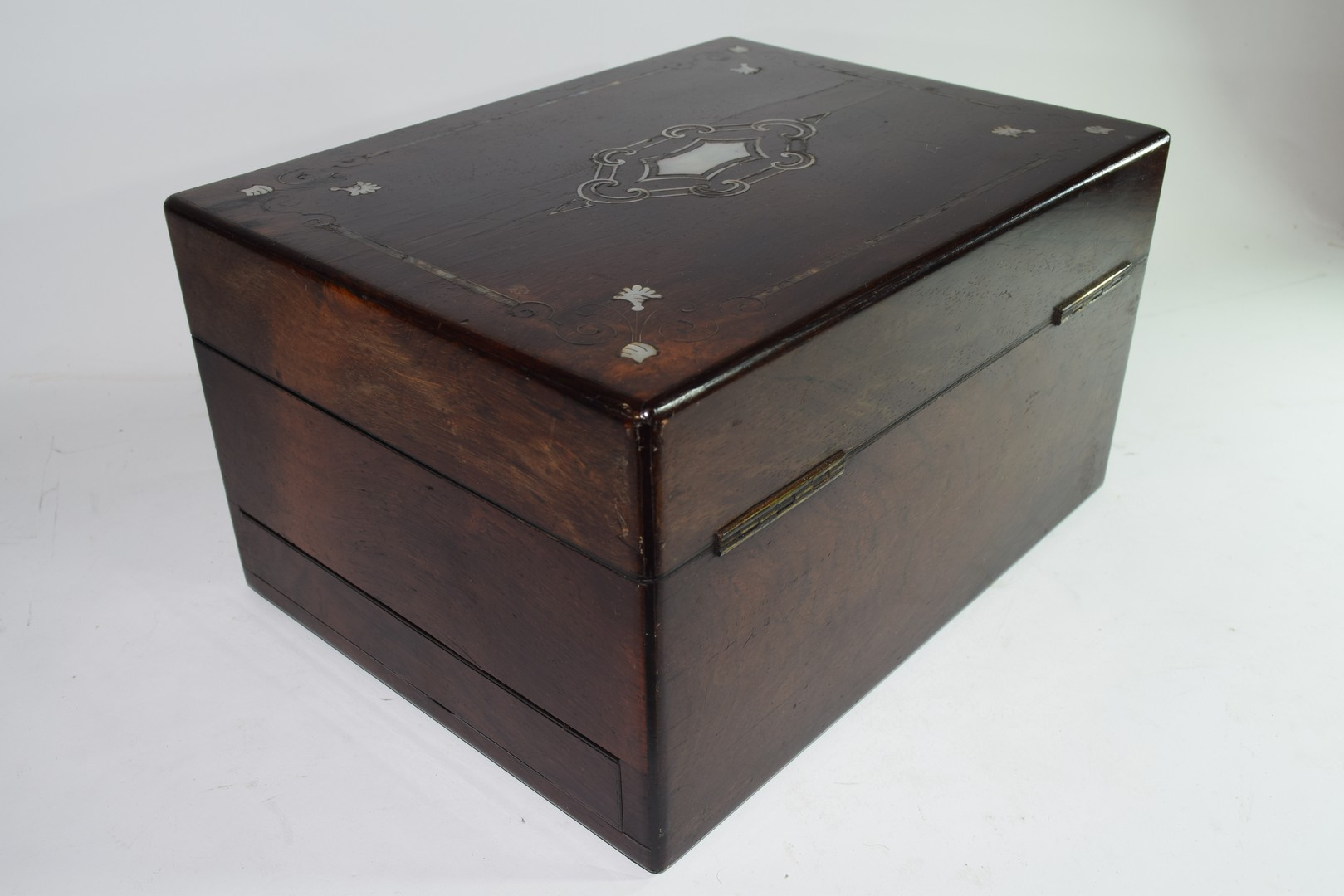 Late Victorian rosewood and mother of pearl - Image 4 of 7