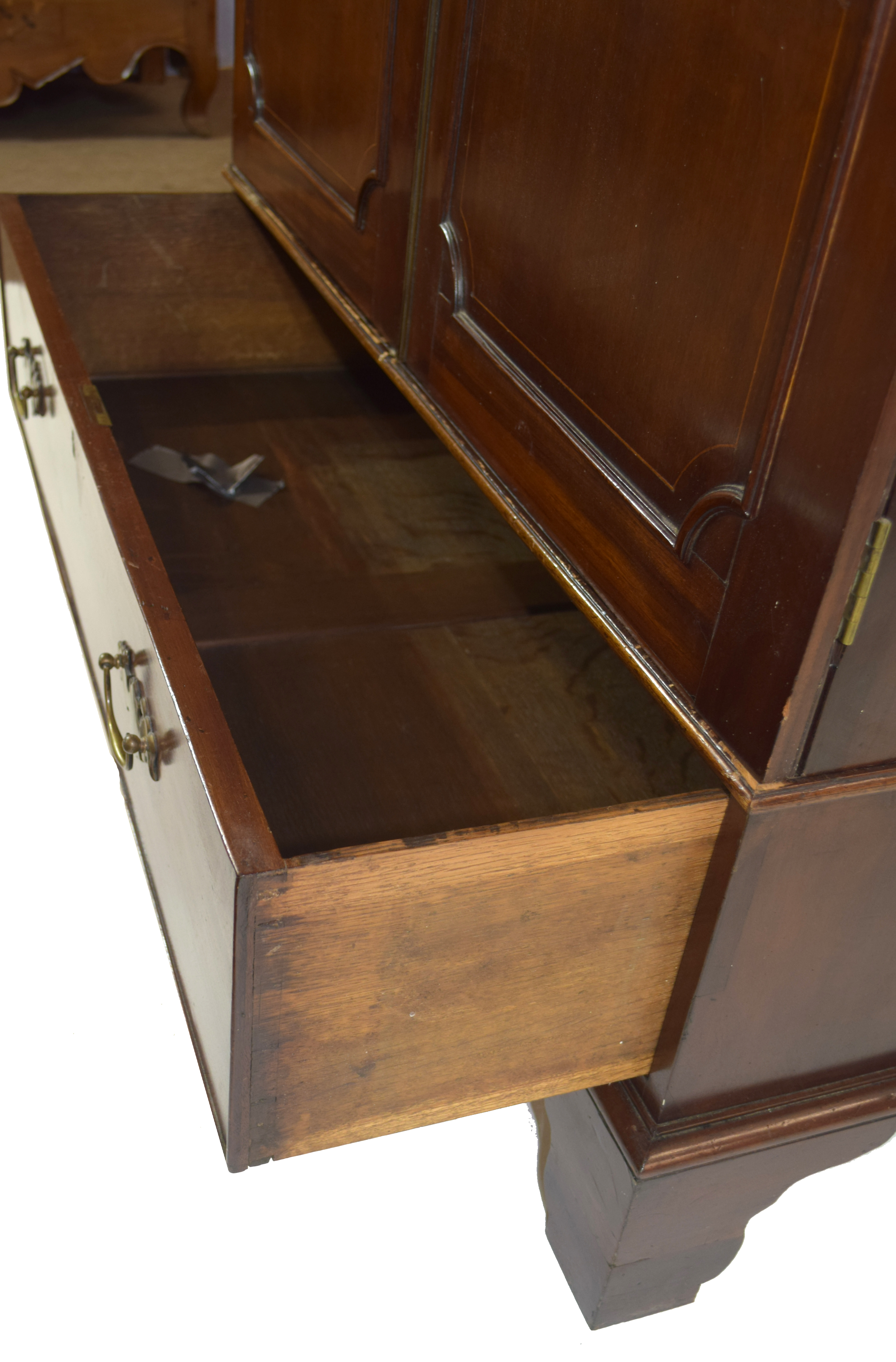 19th century mahogany wardrobe with moulded cornice over two panelled doors and single drawer - Image 5 of 6