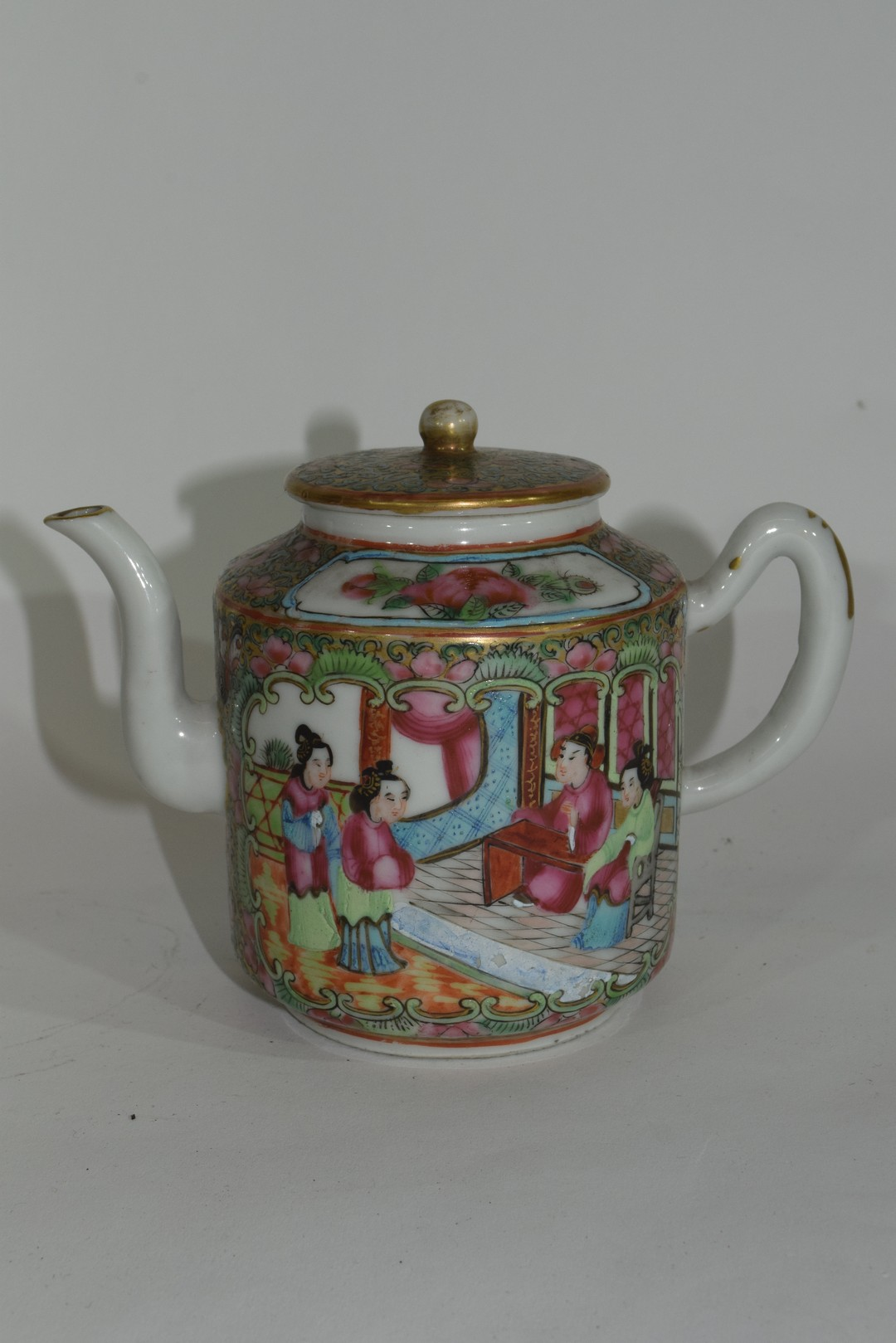 Small Cantonese porcelain tea pot