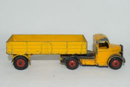 Dinky Supertoy Bedford lorry