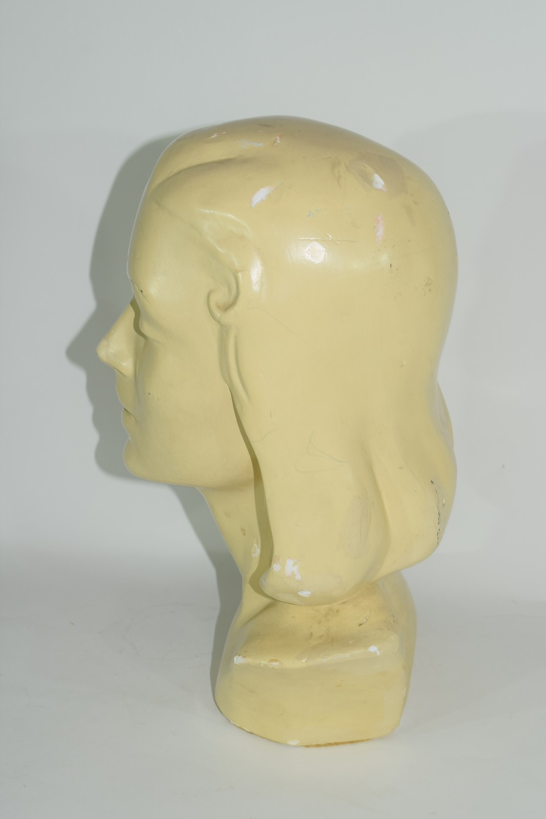 Plaster Art Deco bust of the head and shoulders of a young girl - Image 2 of 5