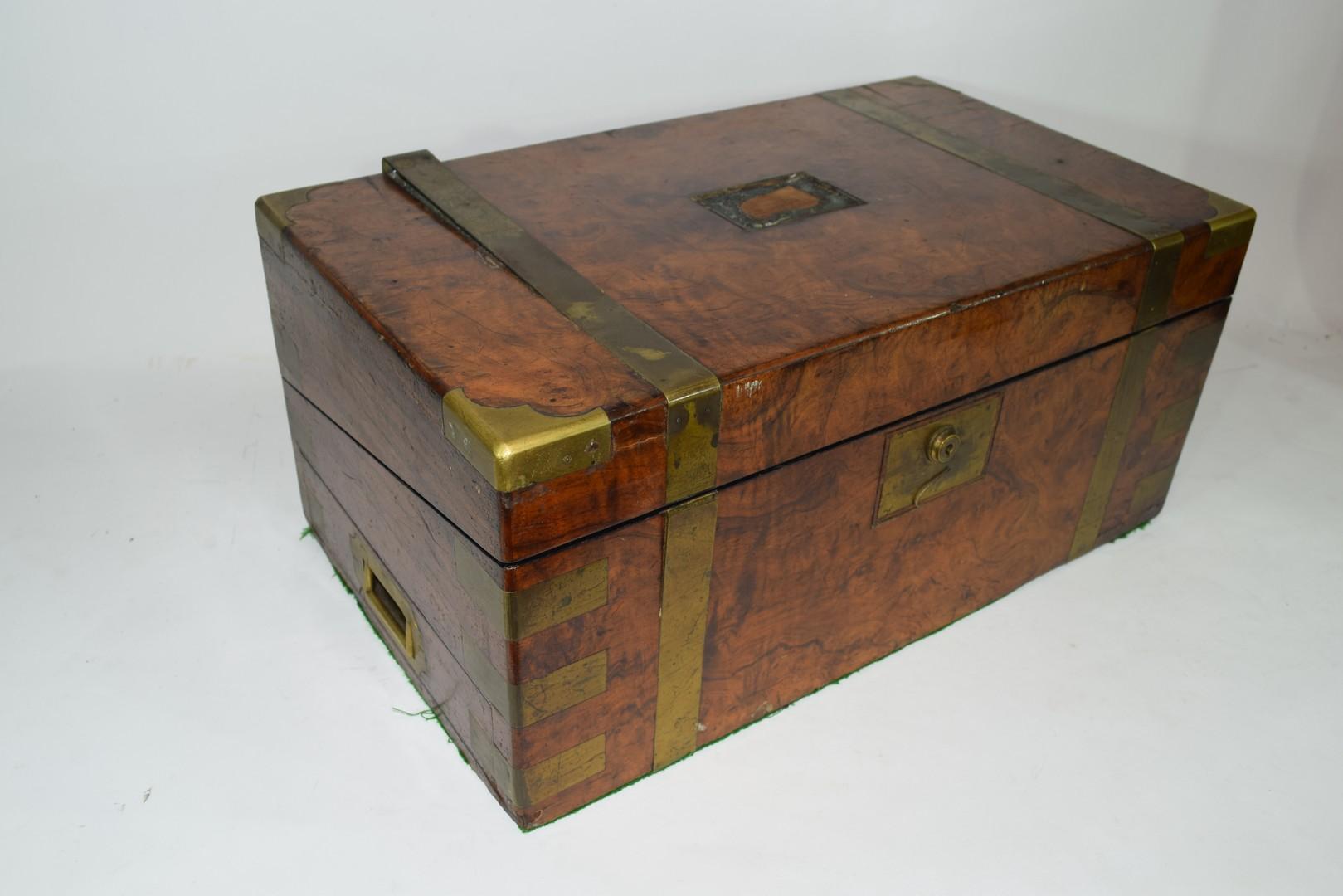 Victorian walnut veneered and brass mounted writing box - Image 4 of 10