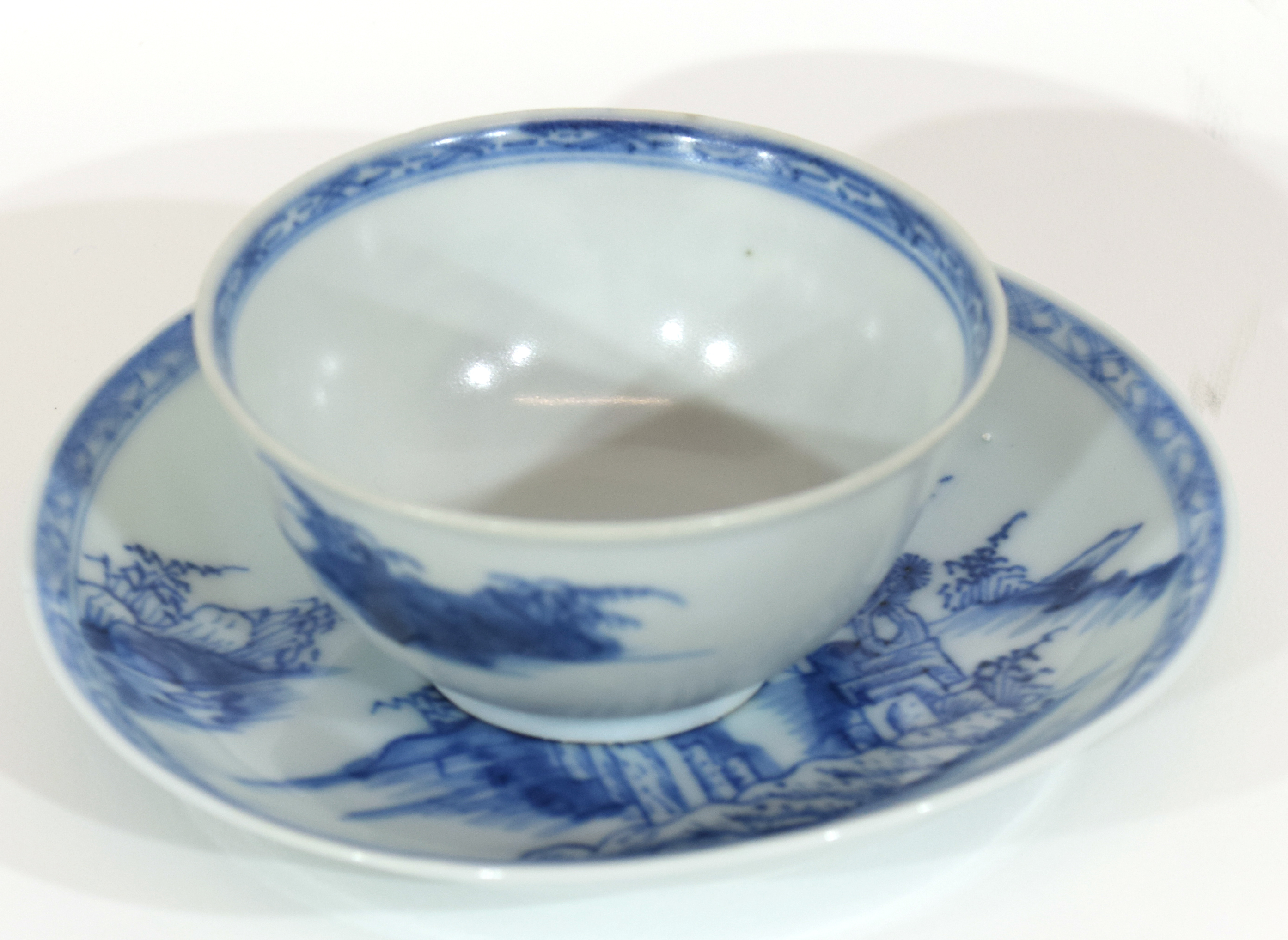 18th century Chinese porcelain Nanking Cargo tea bowl and saucer - Image 2 of 15