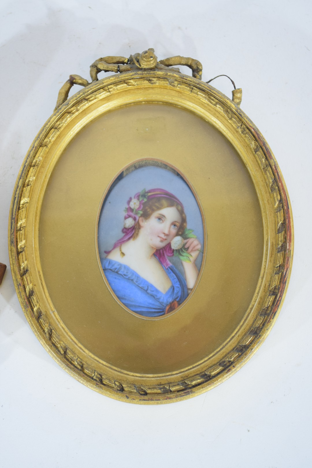 Oval picture of a maiden - Image 4 of 4